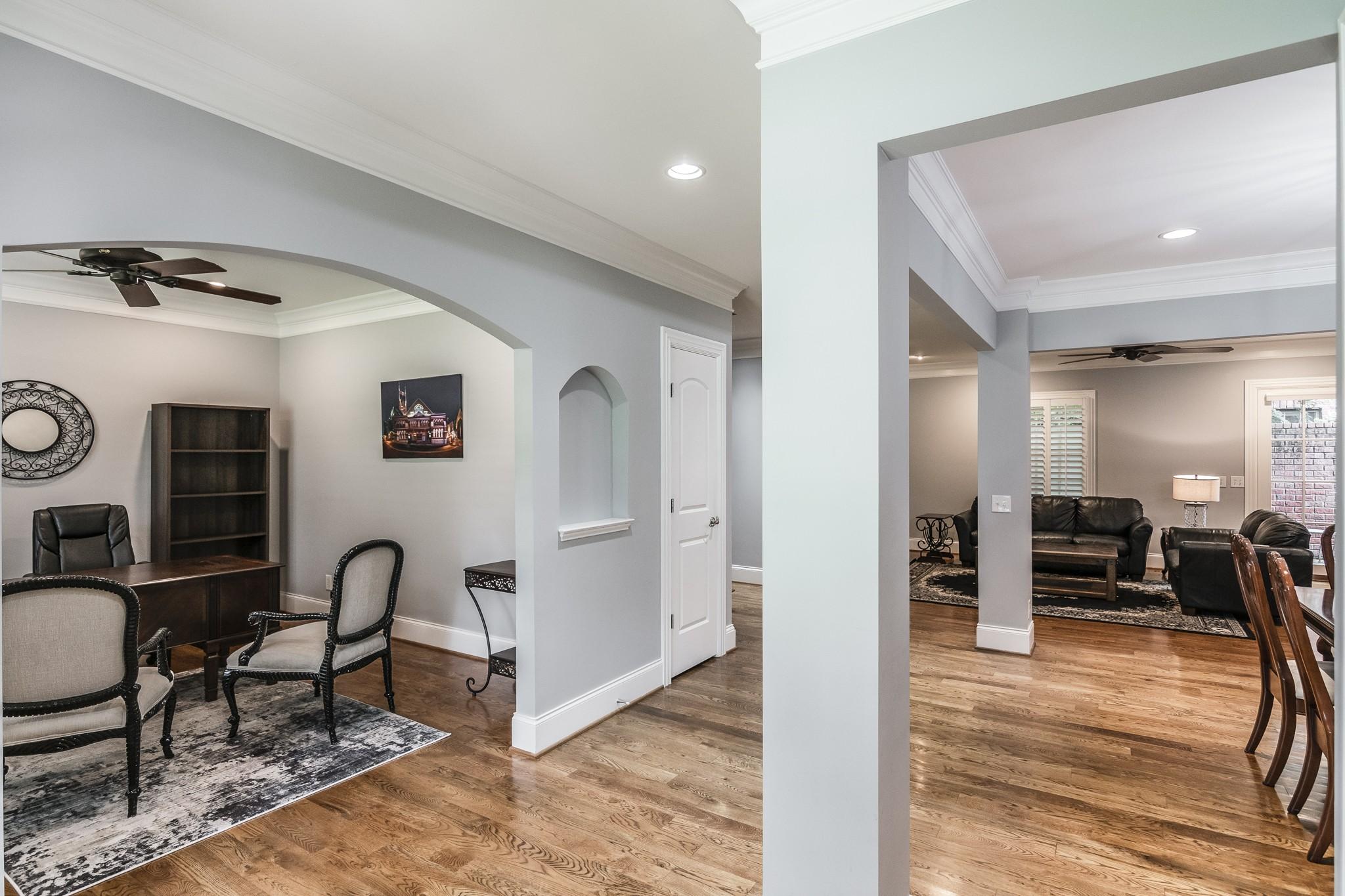 2700 Wortham Ave Property Photo 4