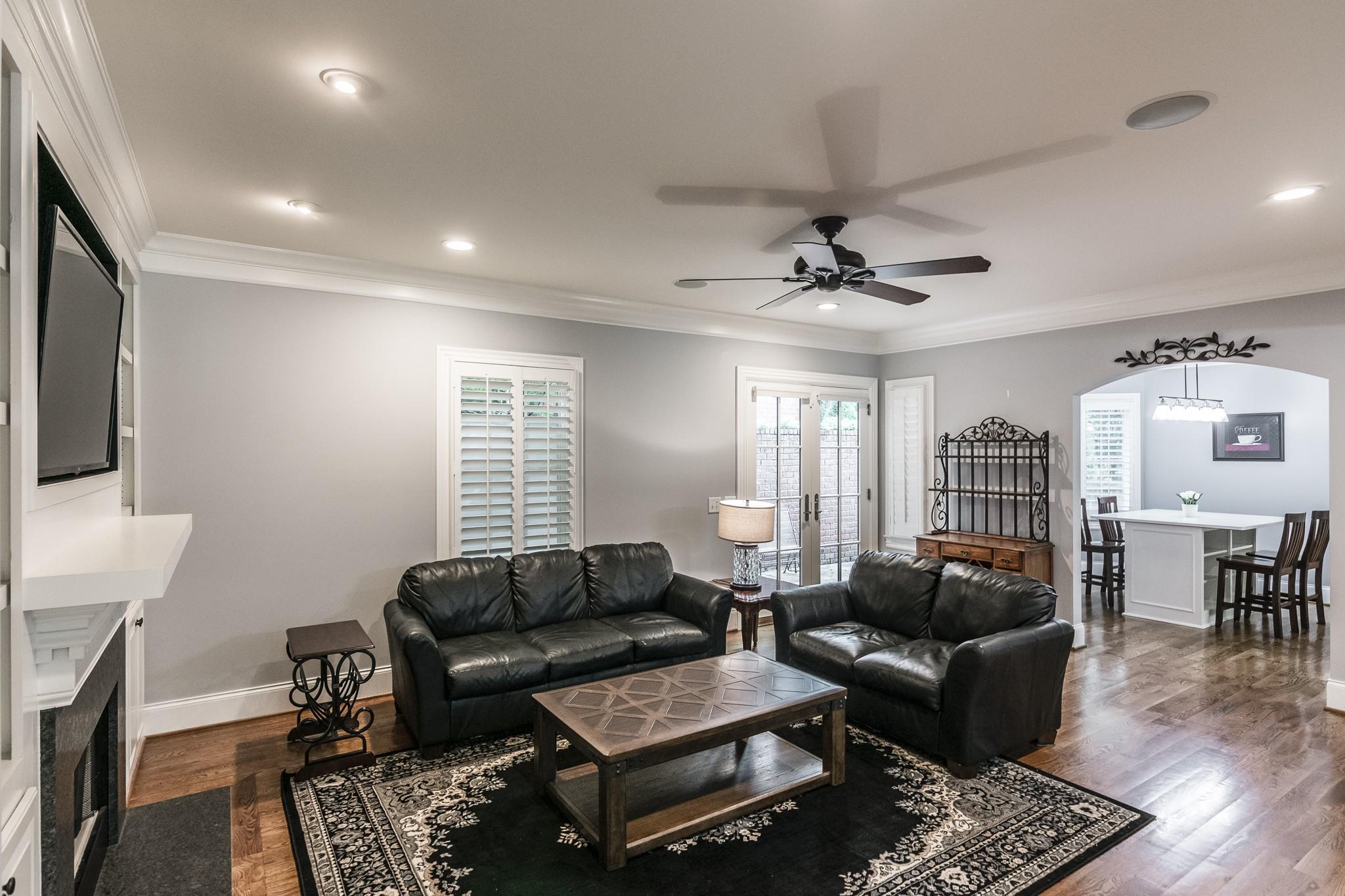 2700 Wortham Ave Property Photo 7