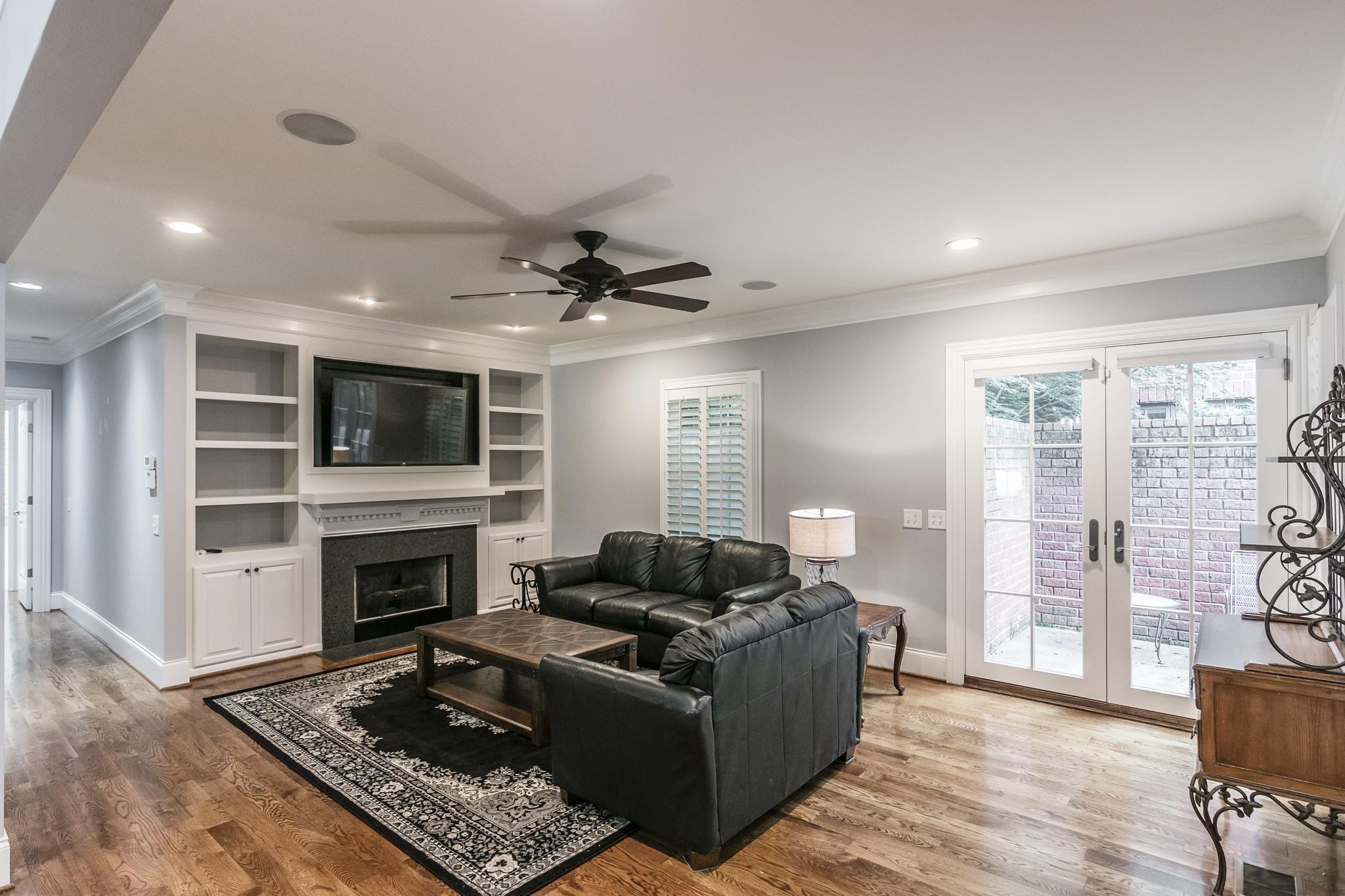 2700 Wortham Ave Property Photo 8