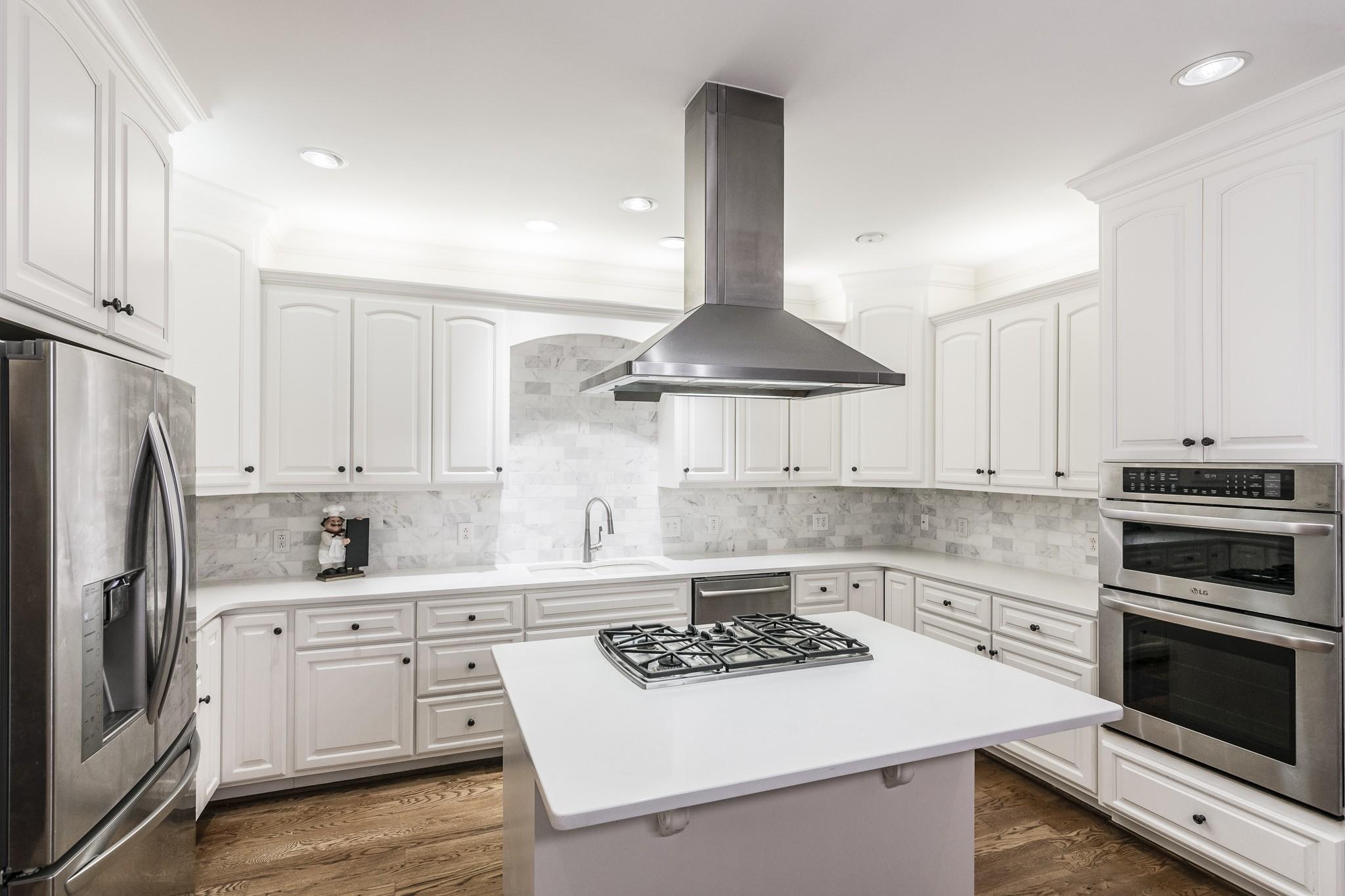 2700 Wortham Ave Property Photo 10