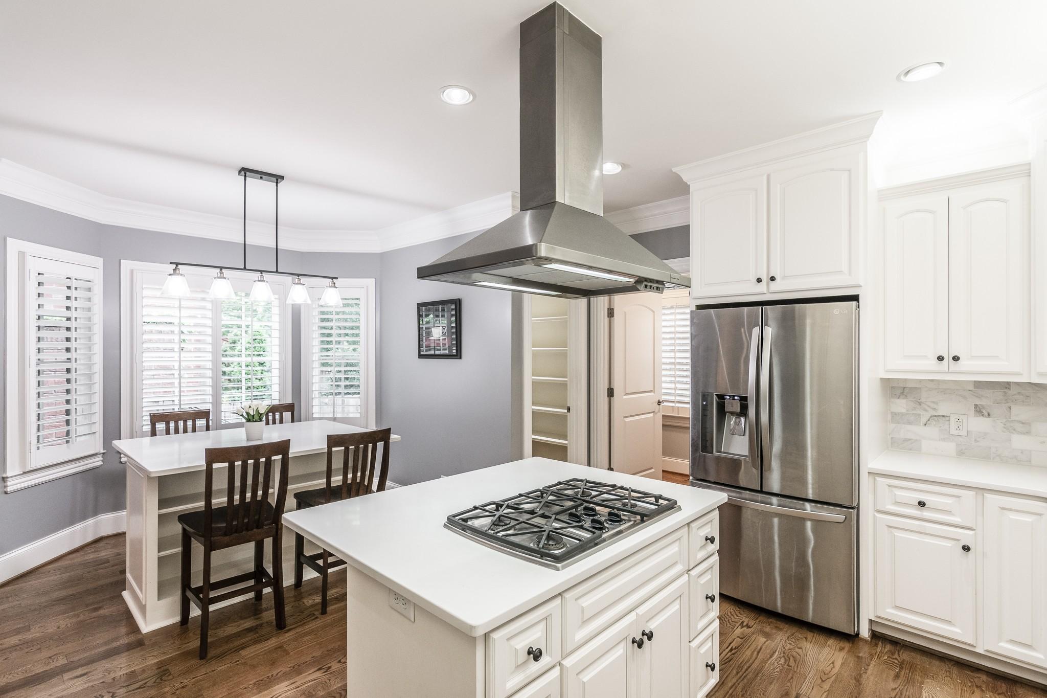 2700 Wortham Ave Property Photo 11