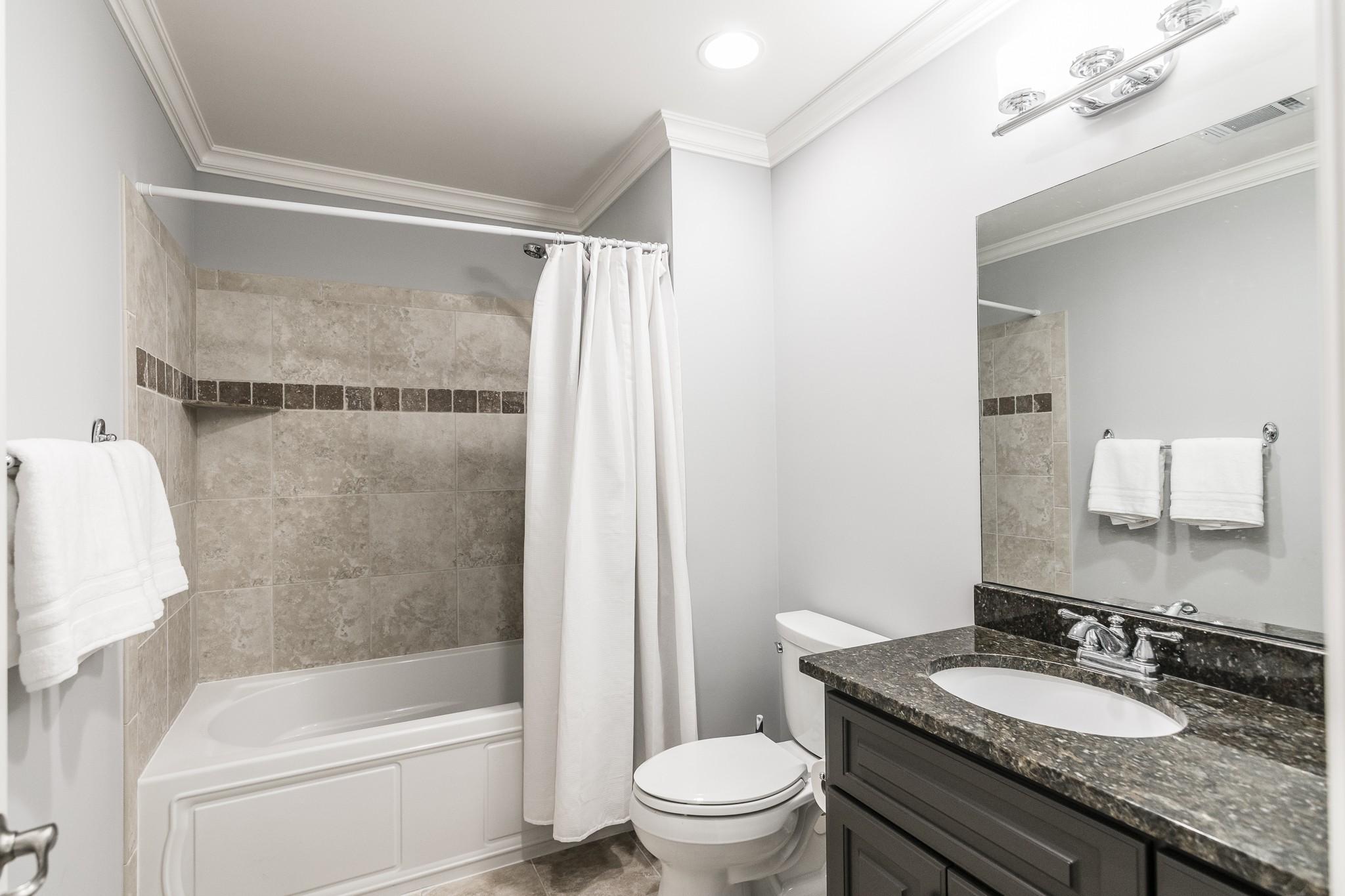 2700 Wortham Ave Property Photo 29