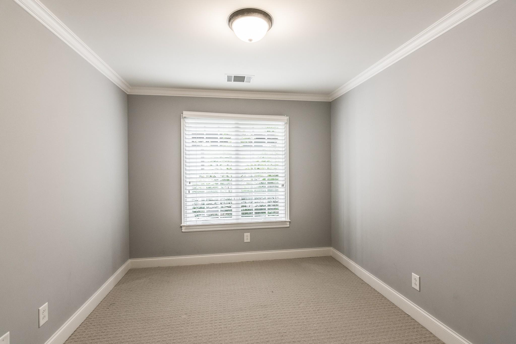 2700 Wortham Ave Property Photo 30