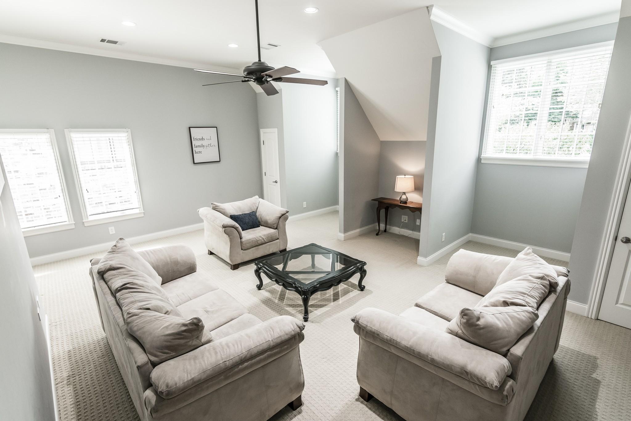 2700 Wortham Ave Property Photo 31