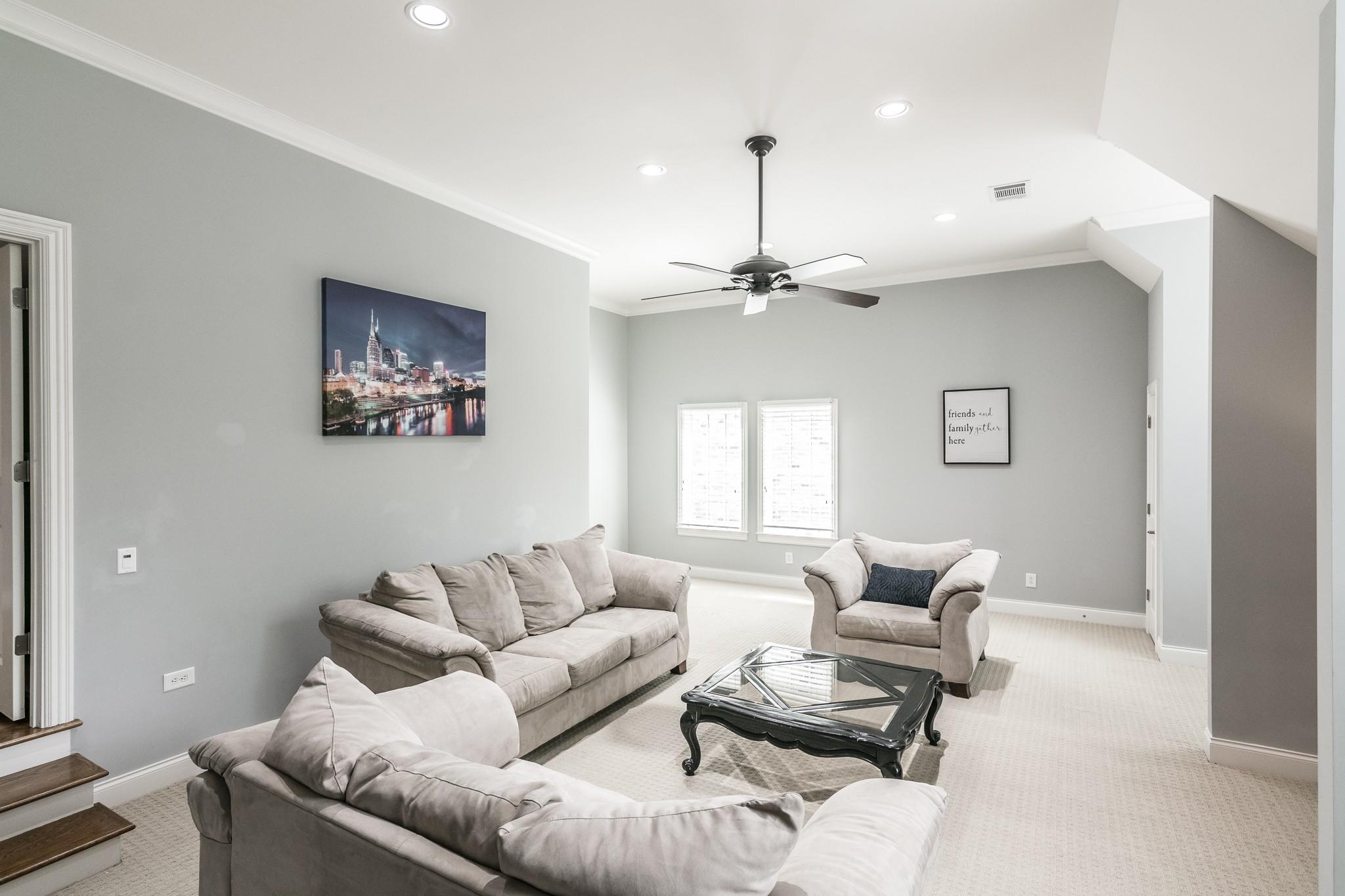 2700 Wortham Ave Property Photo 32