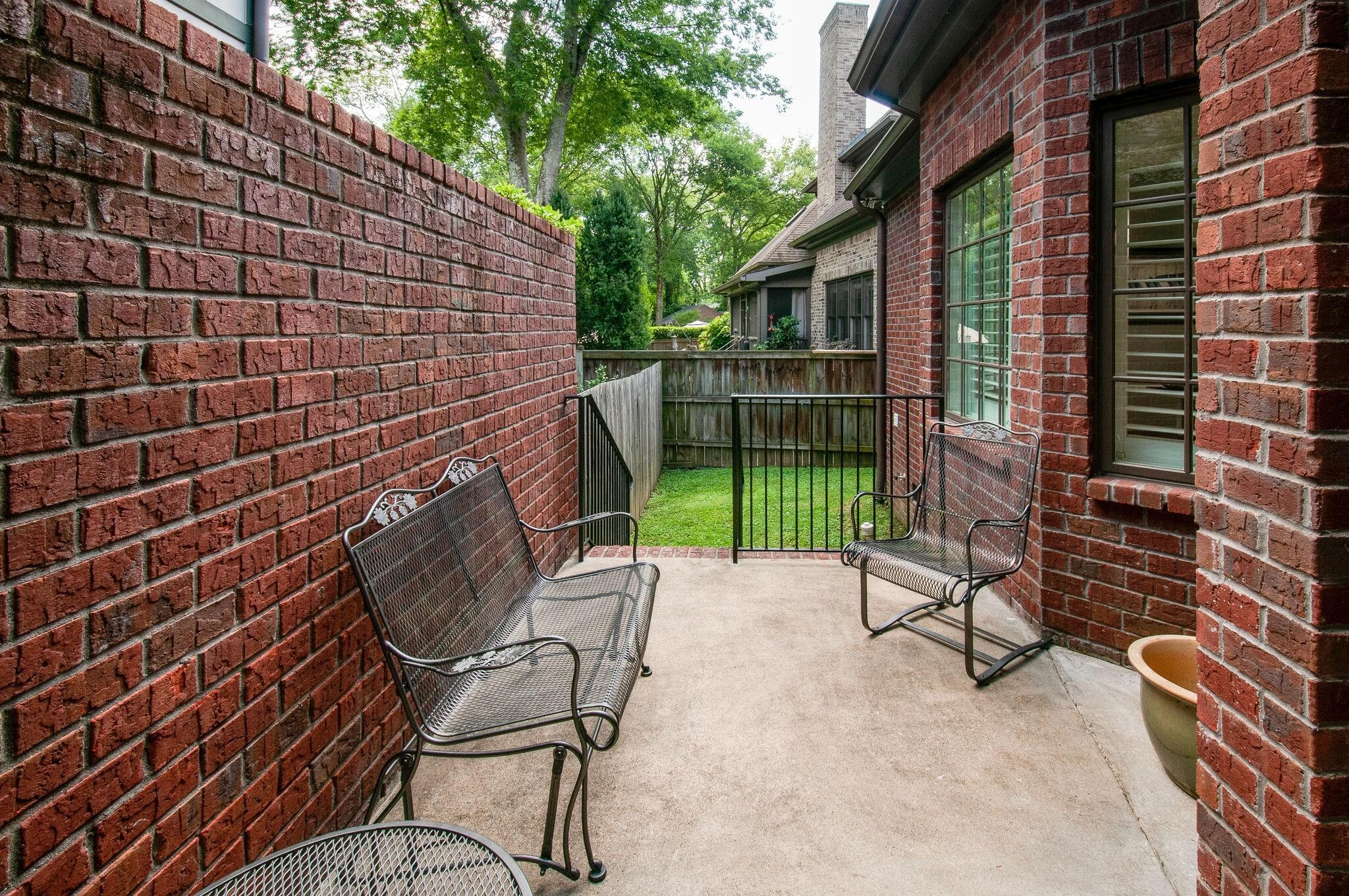 2700 Wortham Ave Property Photo 38
