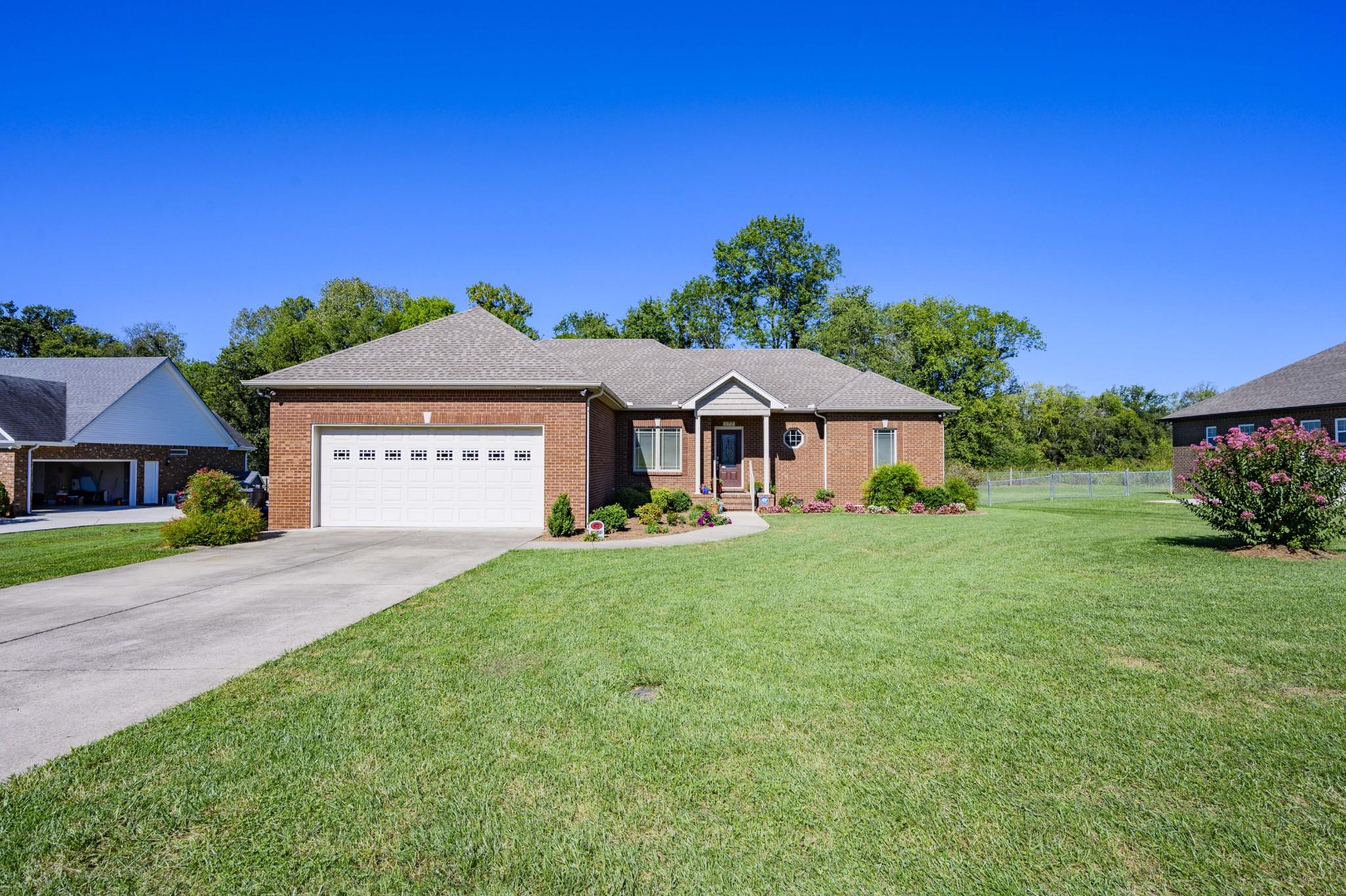 172 Auburn Hills Dr Property Photo