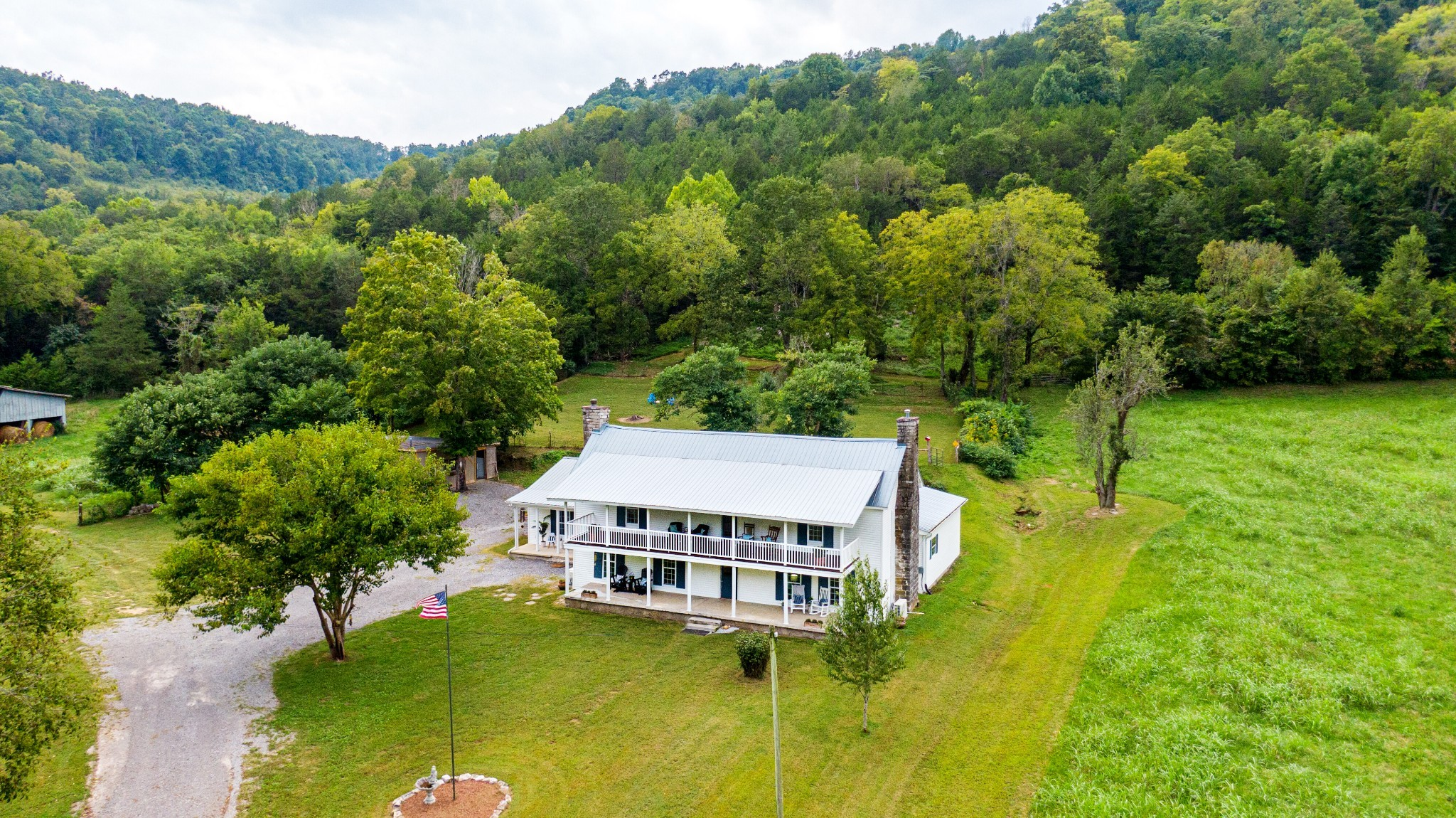 3425 Hurricane Creek Rd Property Photo 8