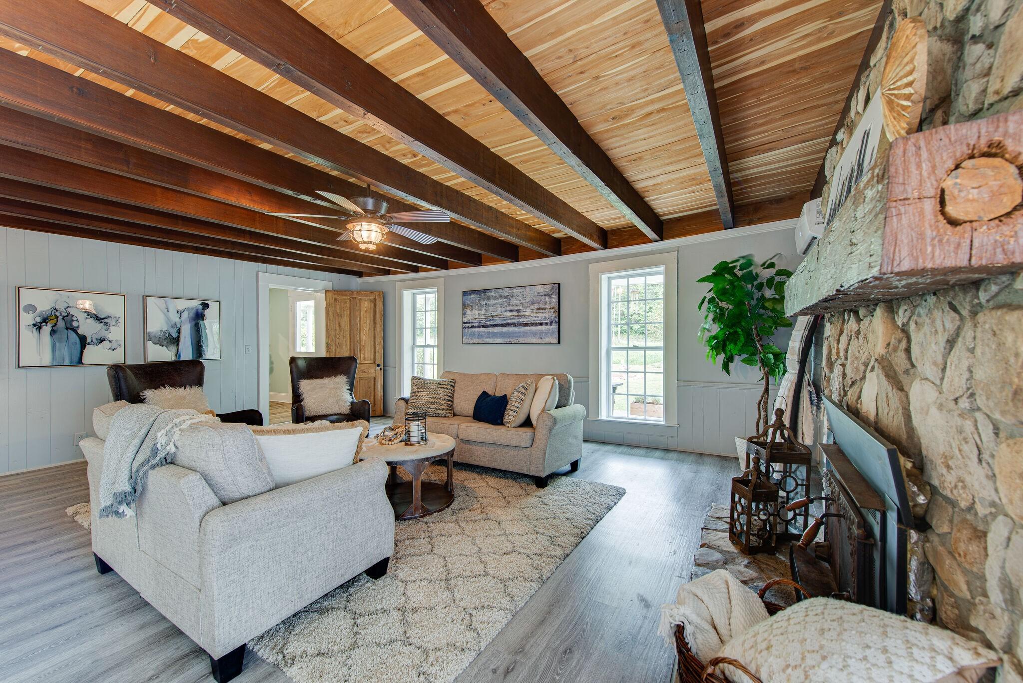 3425 Hurricane Creek Rd Property Photo 14