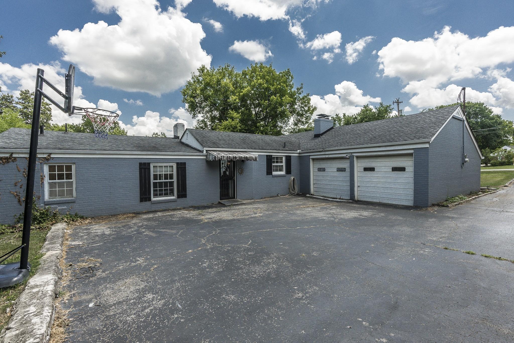 1215 Kenwood Dr Property Photo 6