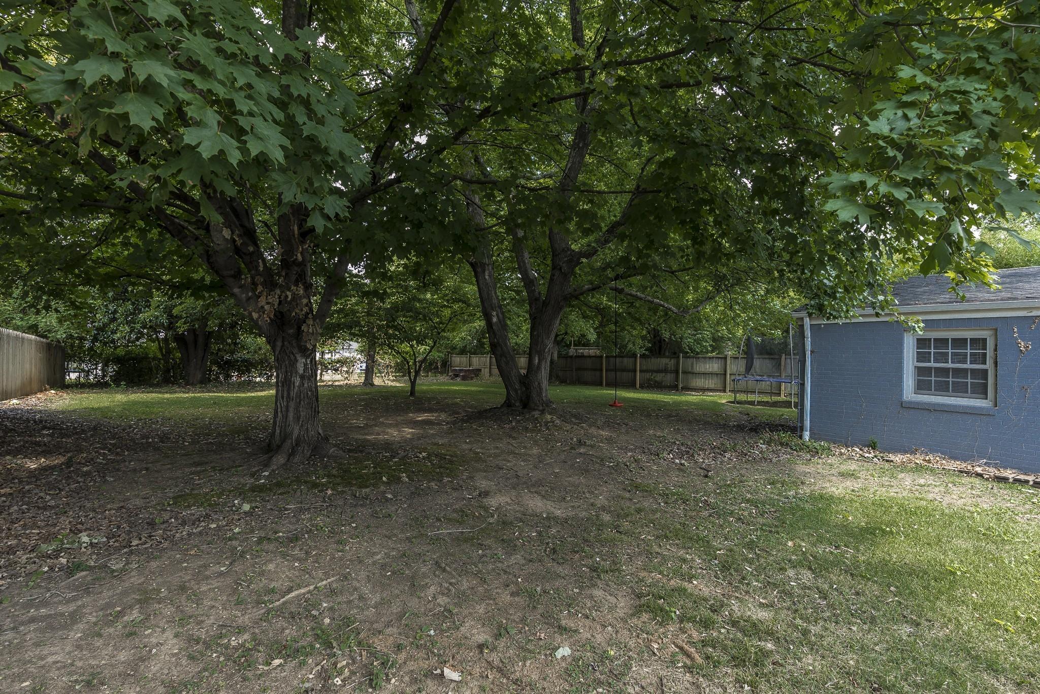 1215 Kenwood Dr Property Photo 7