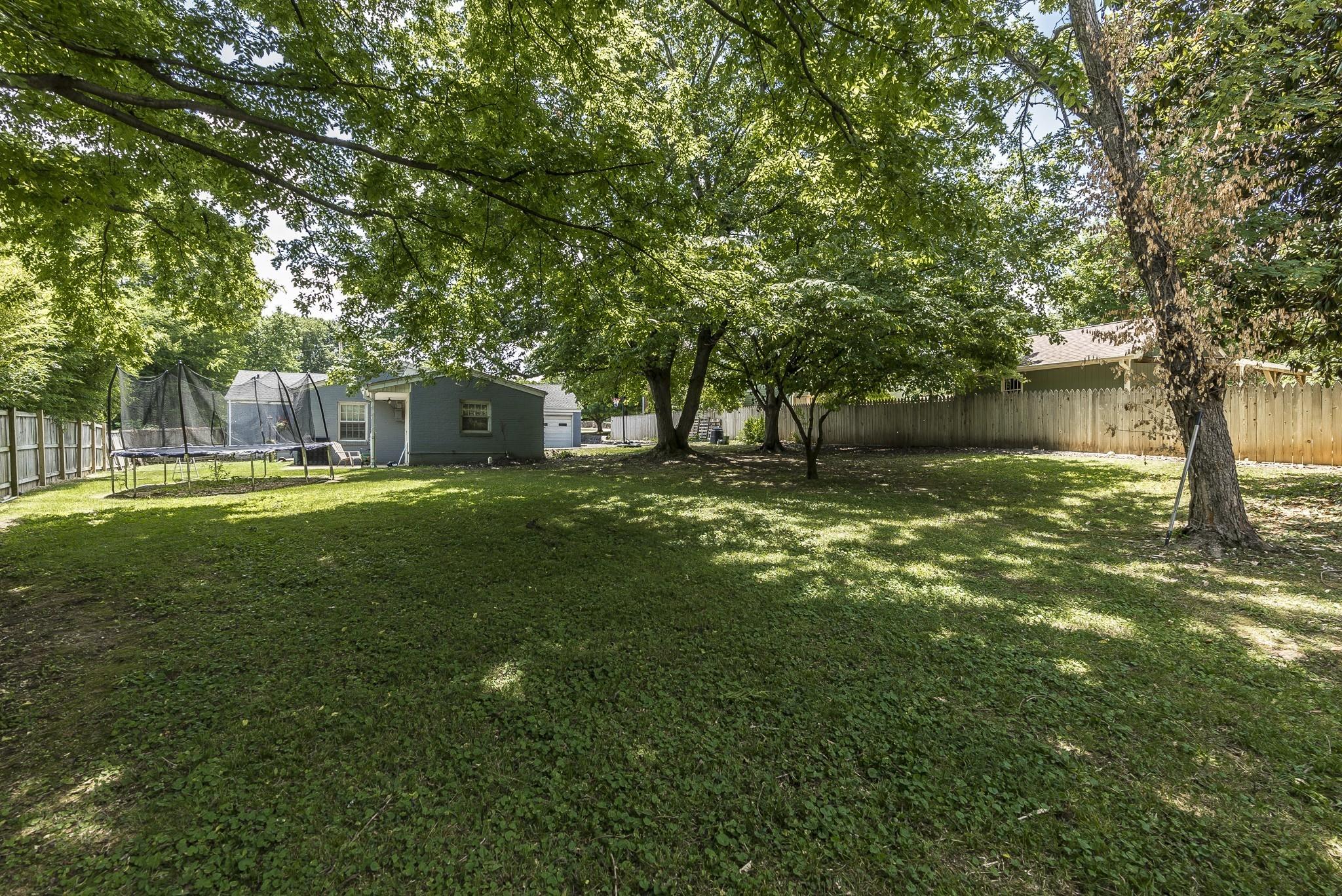 1215 Kenwood Dr Property Photo 8