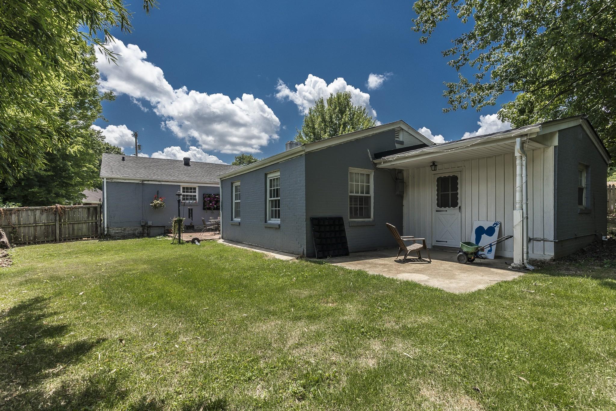1215 Kenwood Dr Property Photo 10