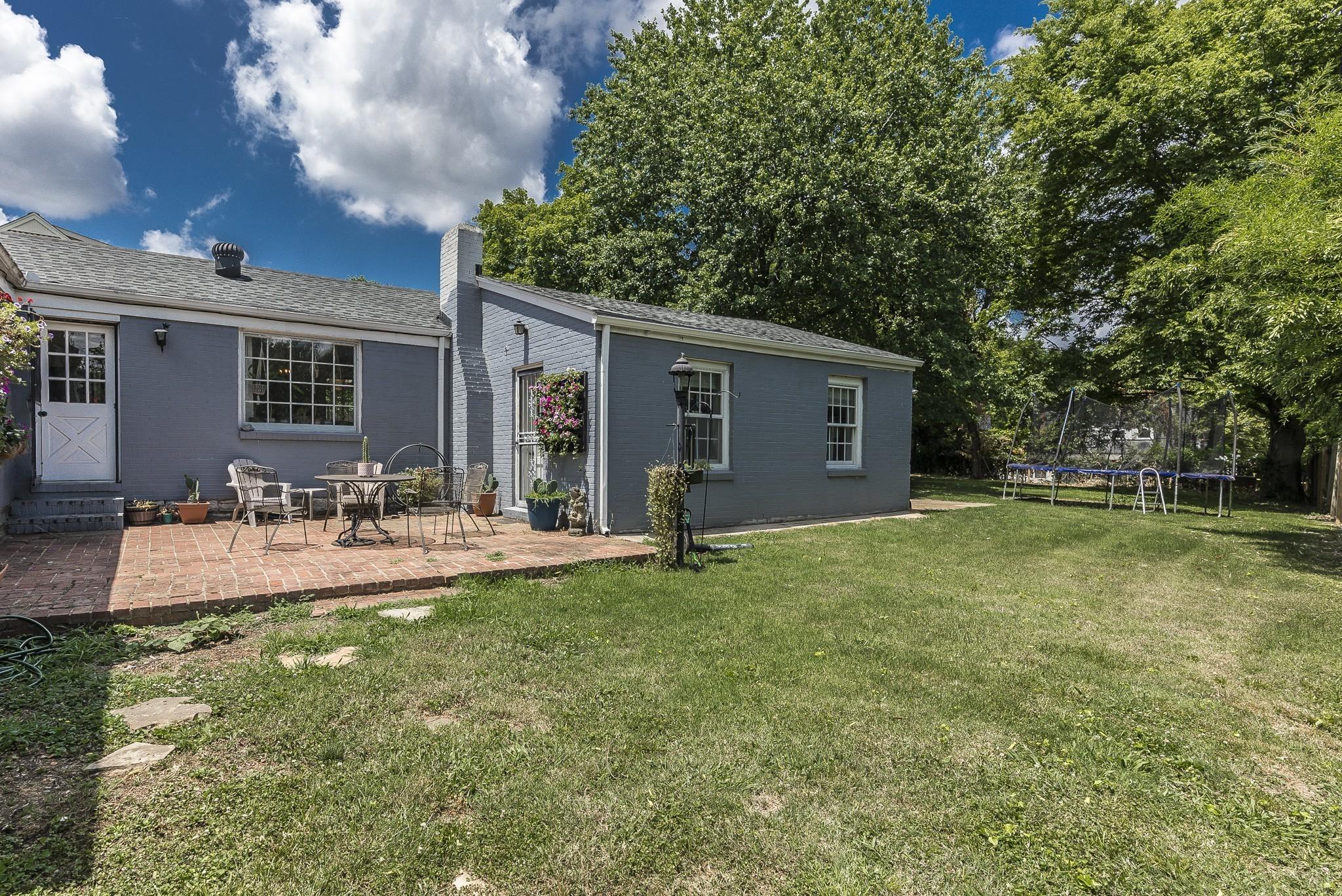 1215 Kenwood Dr Property Photo 11