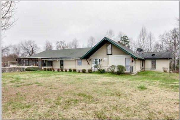 2124 Valley View Rd Property Photo