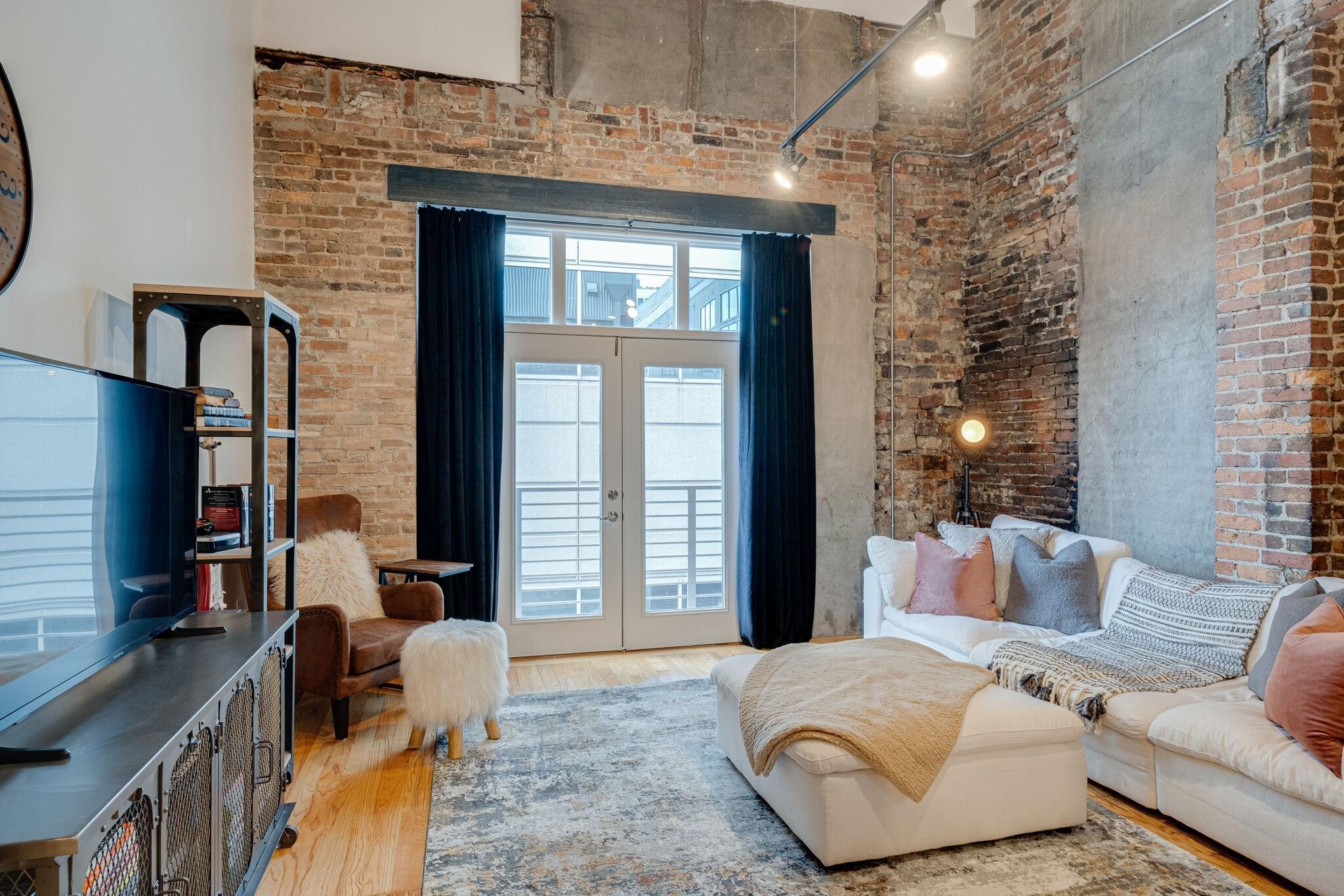 Art Lofts Real Estate Listings Main Image