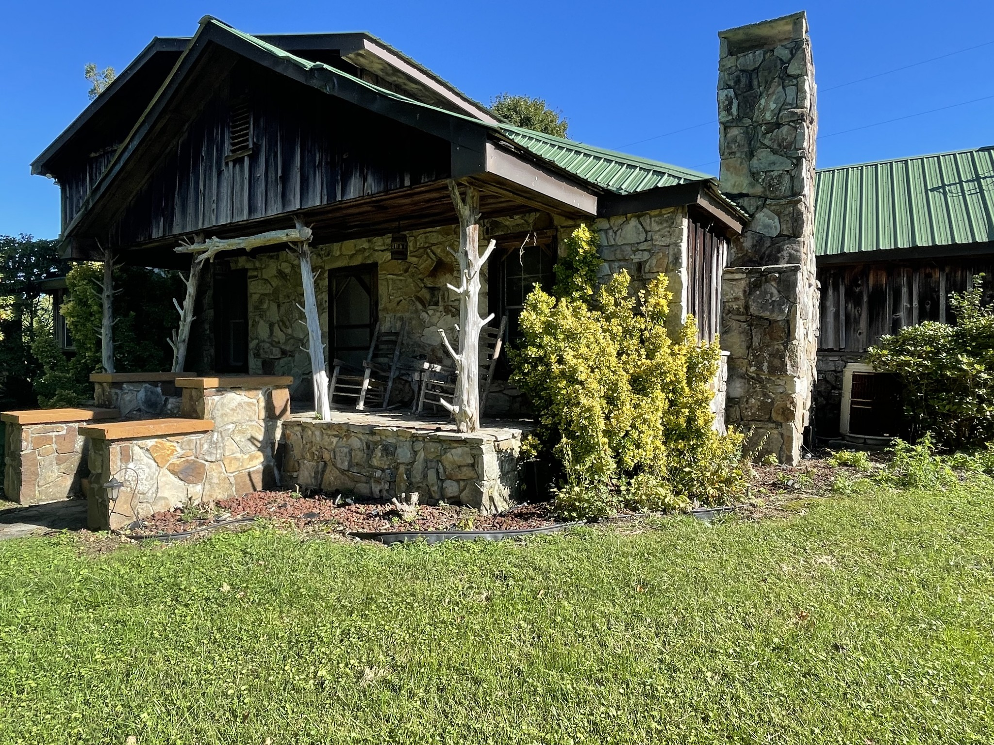 315 Manley Rd Property Photo