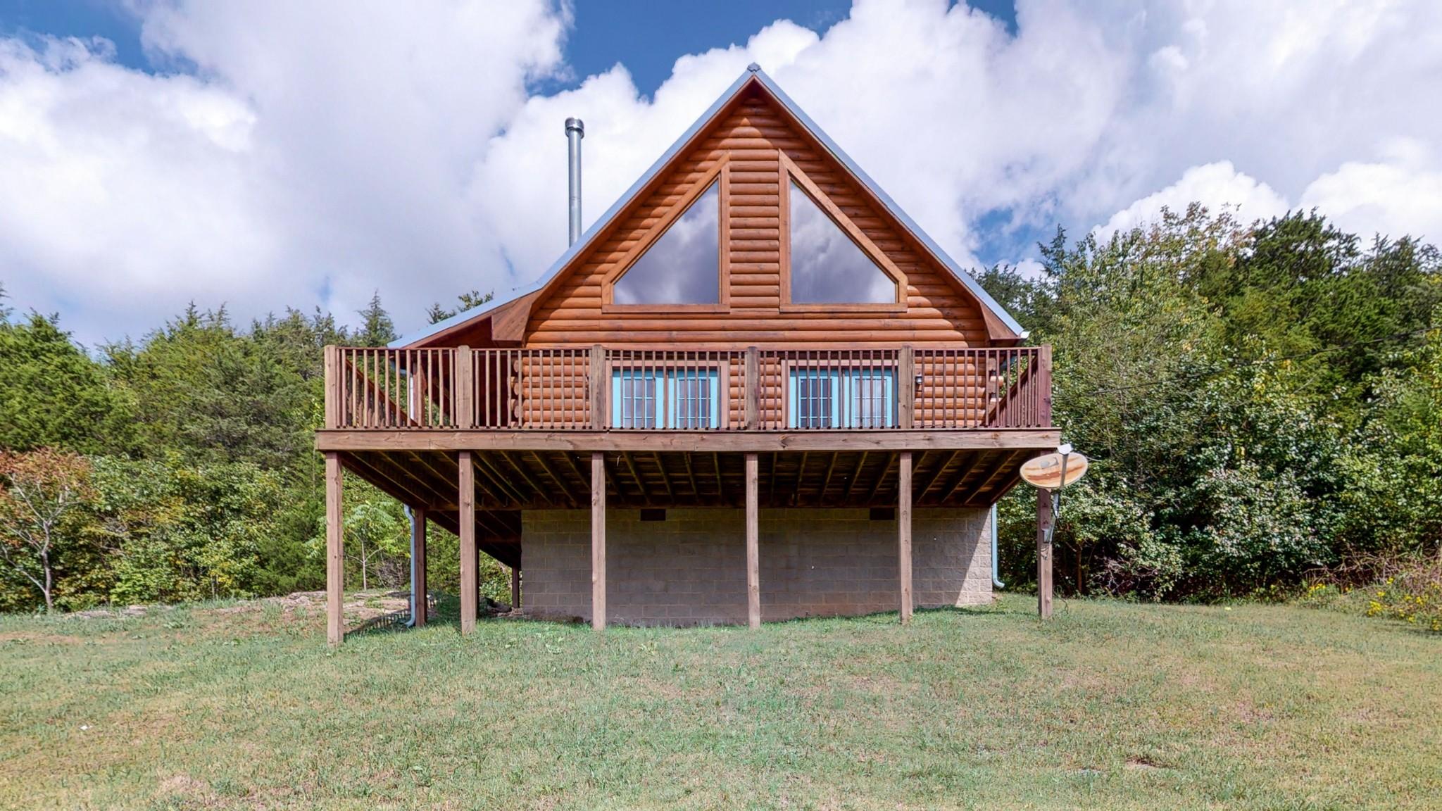 493 Lake Hollow Rd Property Photo 2