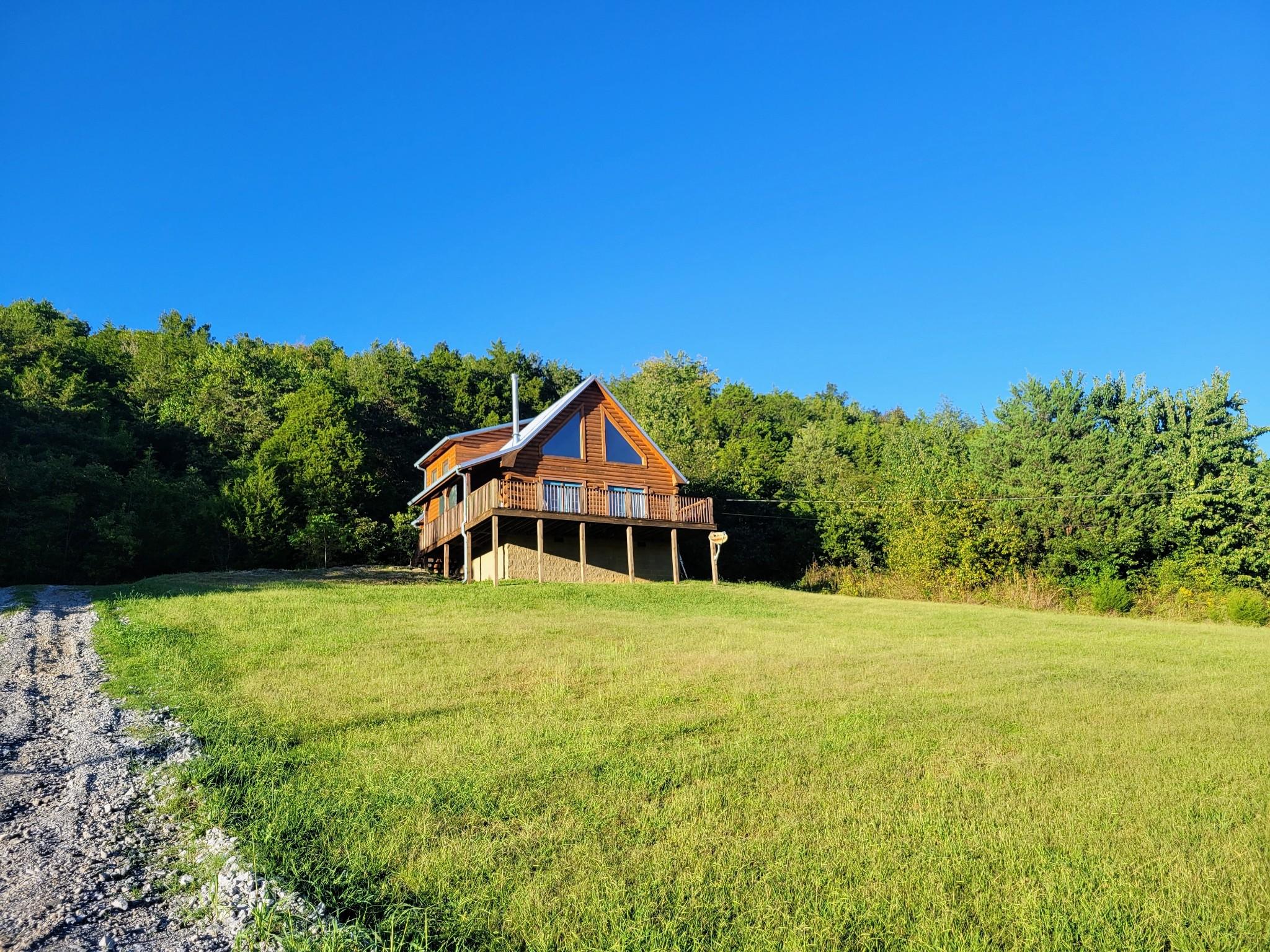 493 Lake Hollow Rd Property Photo 3