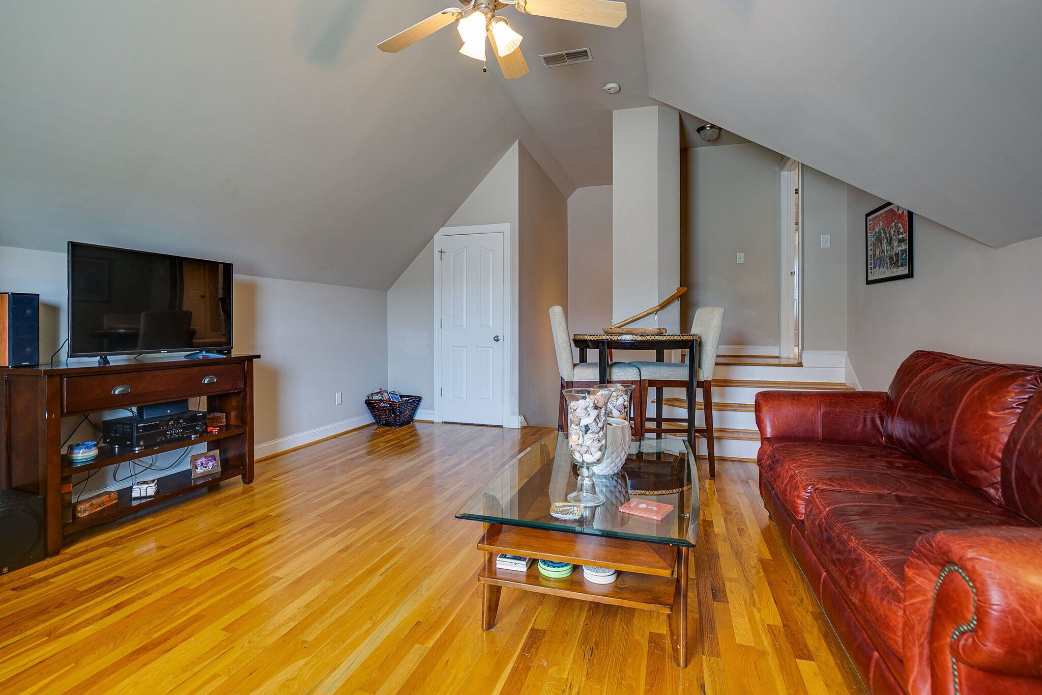 913 Northbrook Ct Property Picture 32