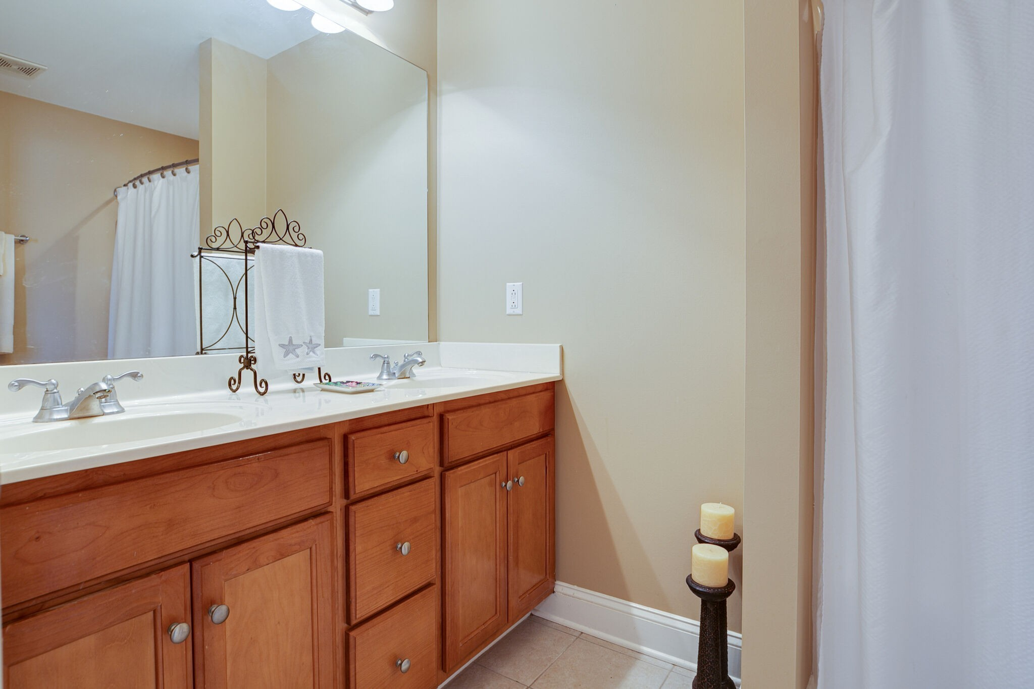 913 Northbrook Ct Property Picture 38