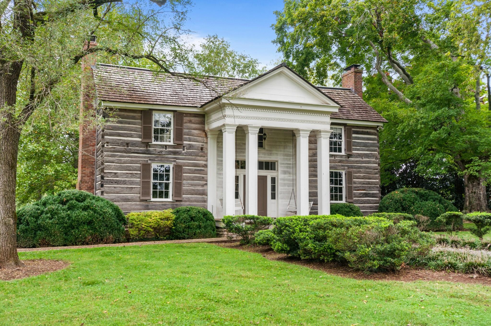4009 Carters Creek Pike Property Photo 2