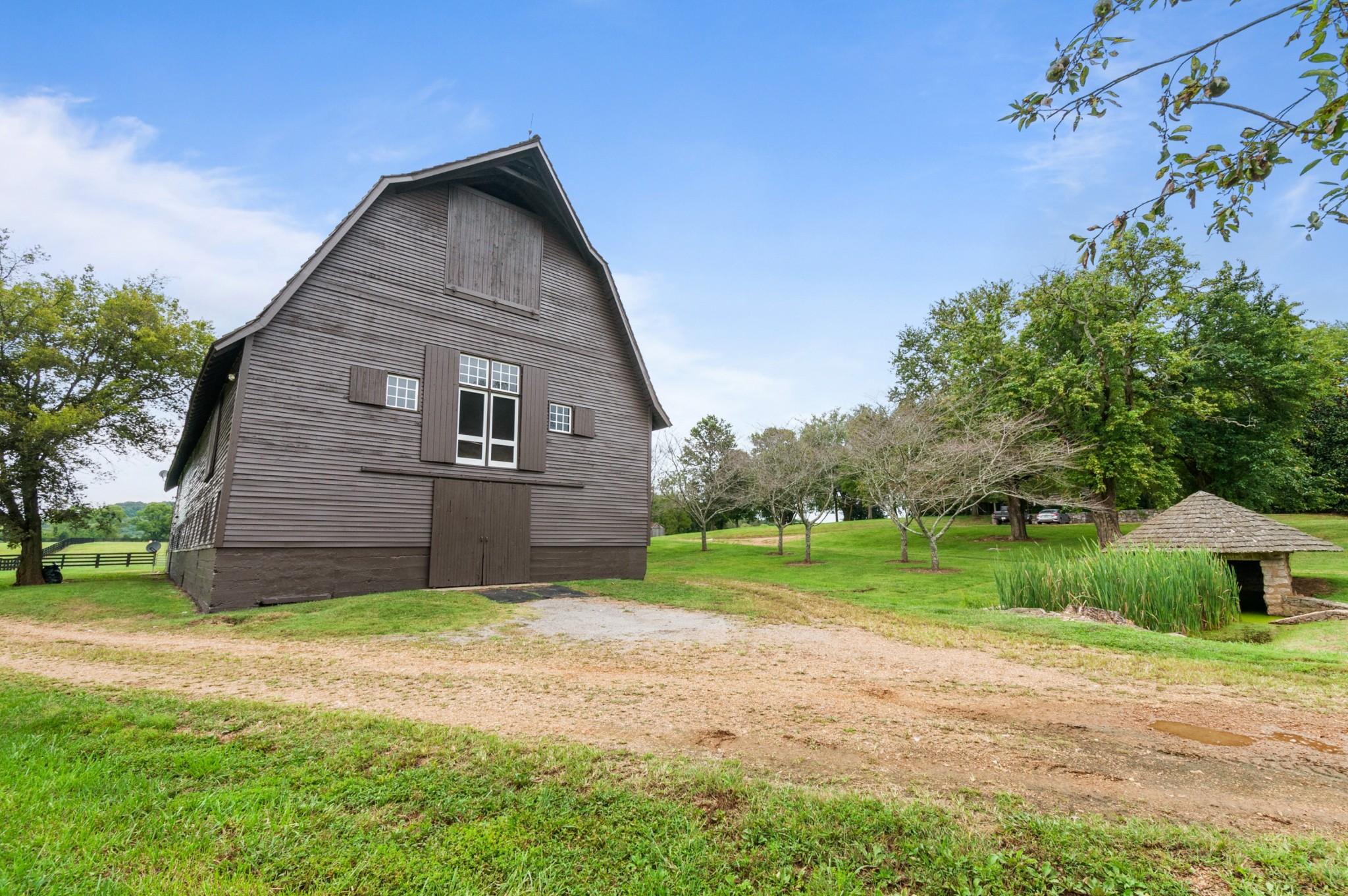 4009 Carters Creek Pike Property Photo 3