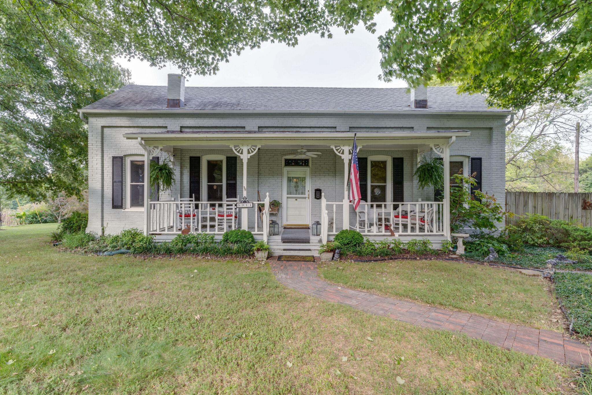 5911 Eatons Creek Rd Property Photo
