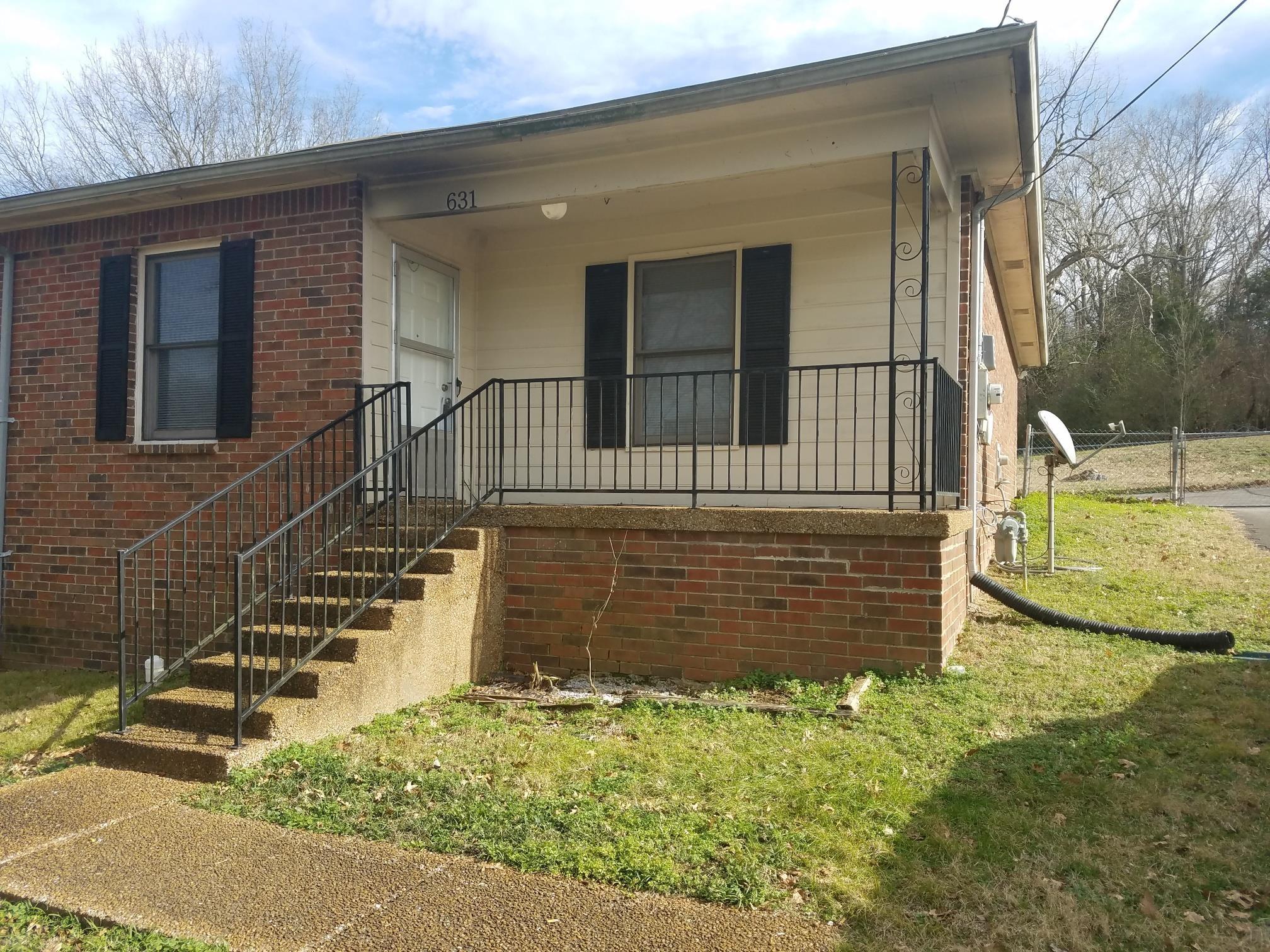 631 Center St Property Photo