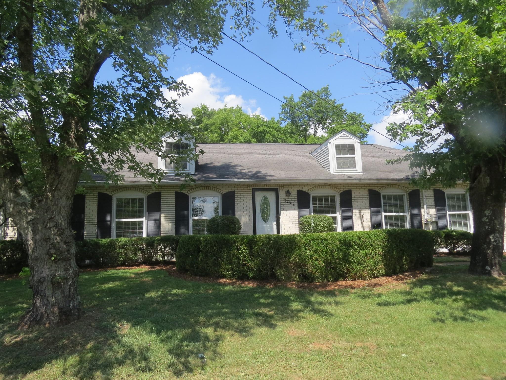 3743 Valley Ridge Dr Property Photo
