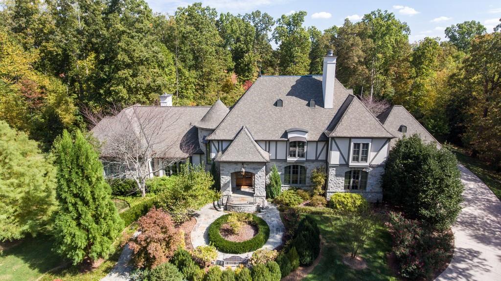 225 Lake Hills Rd Property Photo