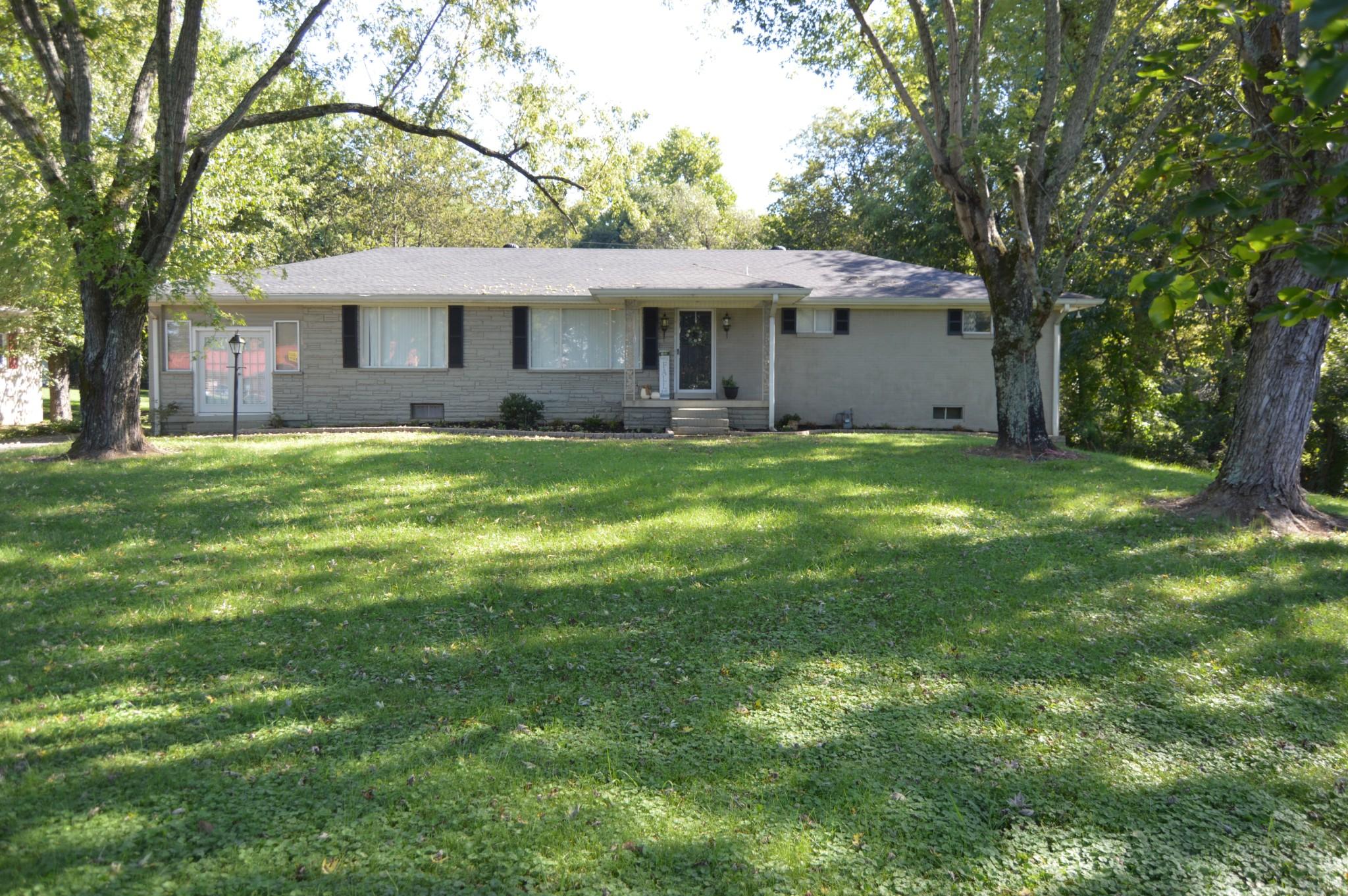 230 Dixon Springs Hwy Property Photo