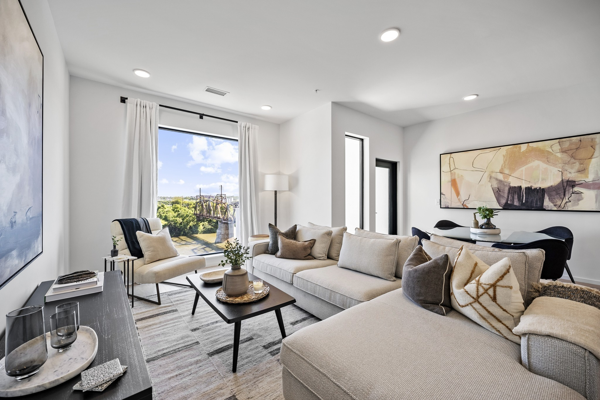 700 1st Avenue Property Photo