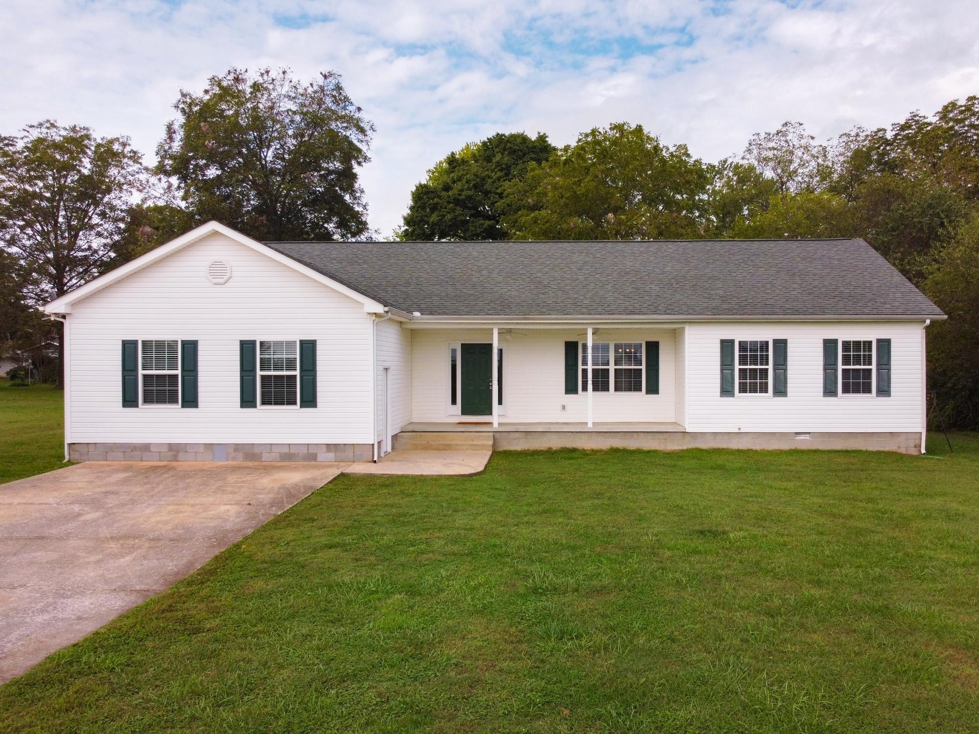 393 Oak St Property Photo