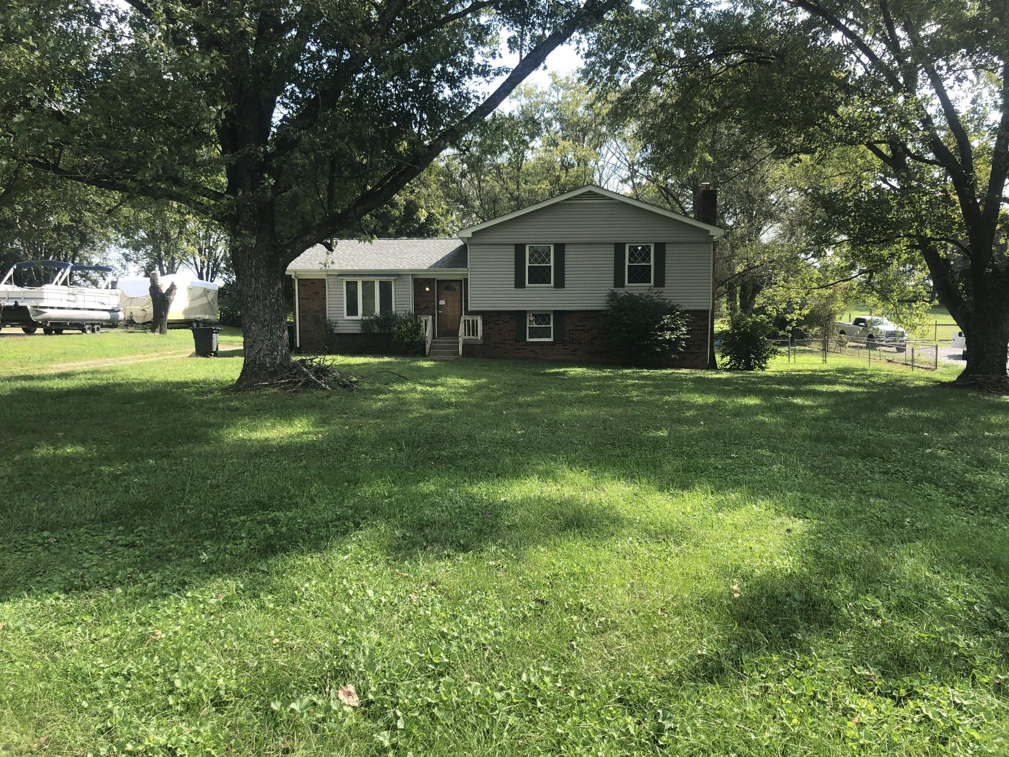 292 Greenfield Ln Property Photo