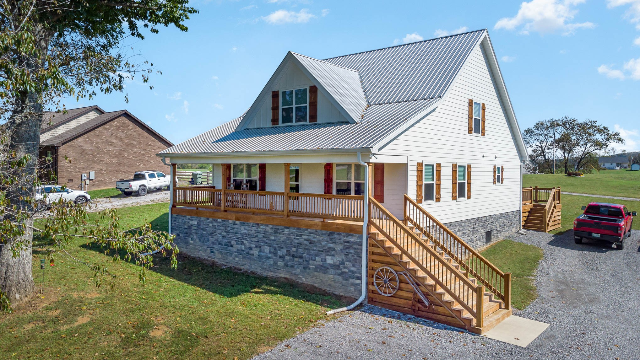 500 Armstrong Rd Property Photo