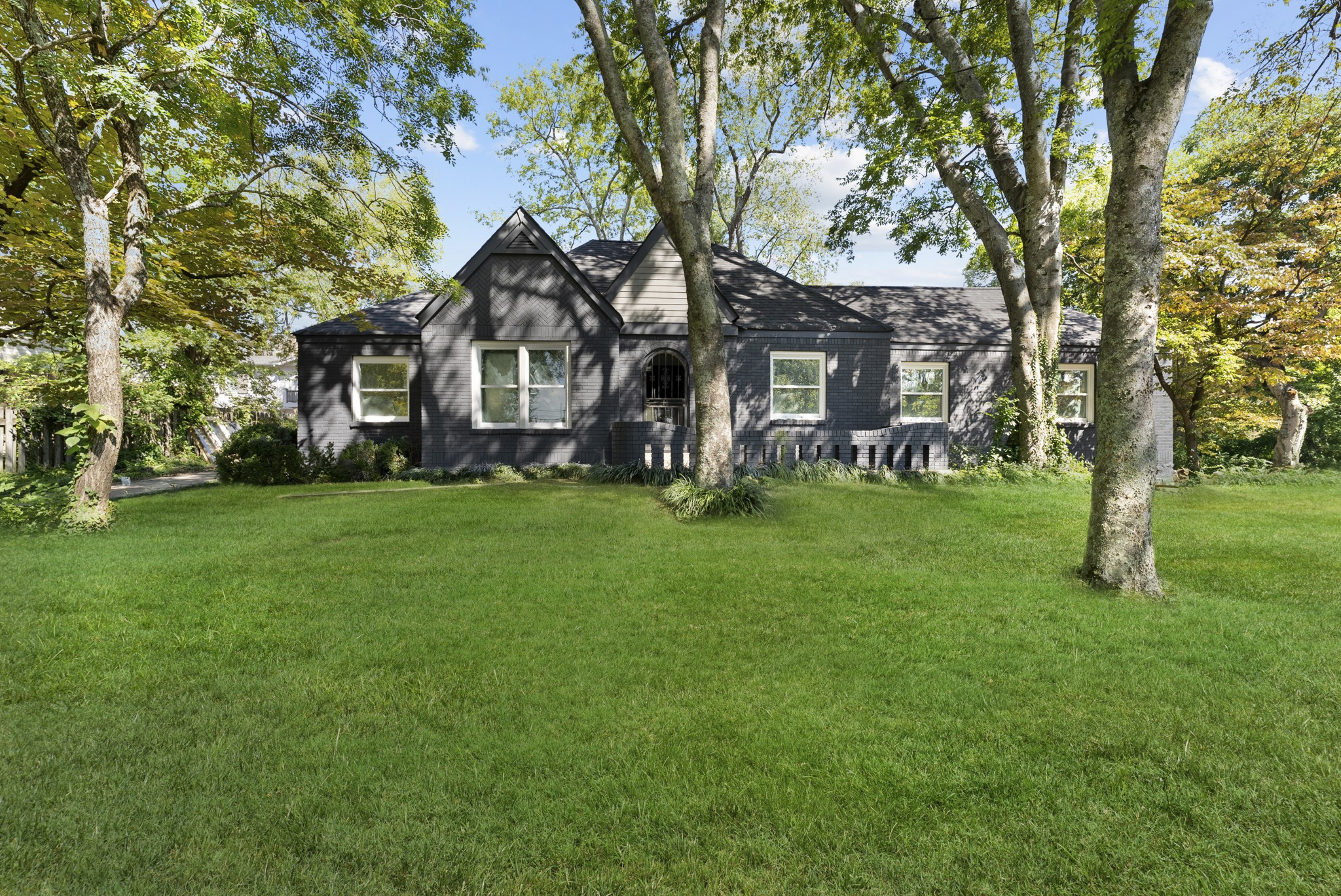 2012 Cedar Ln Property Photo