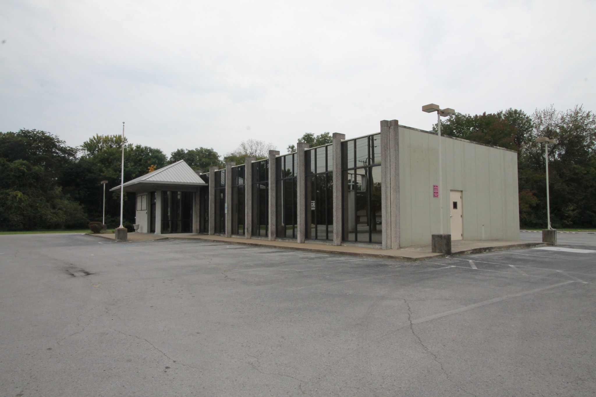 495 North Drive Property Photo