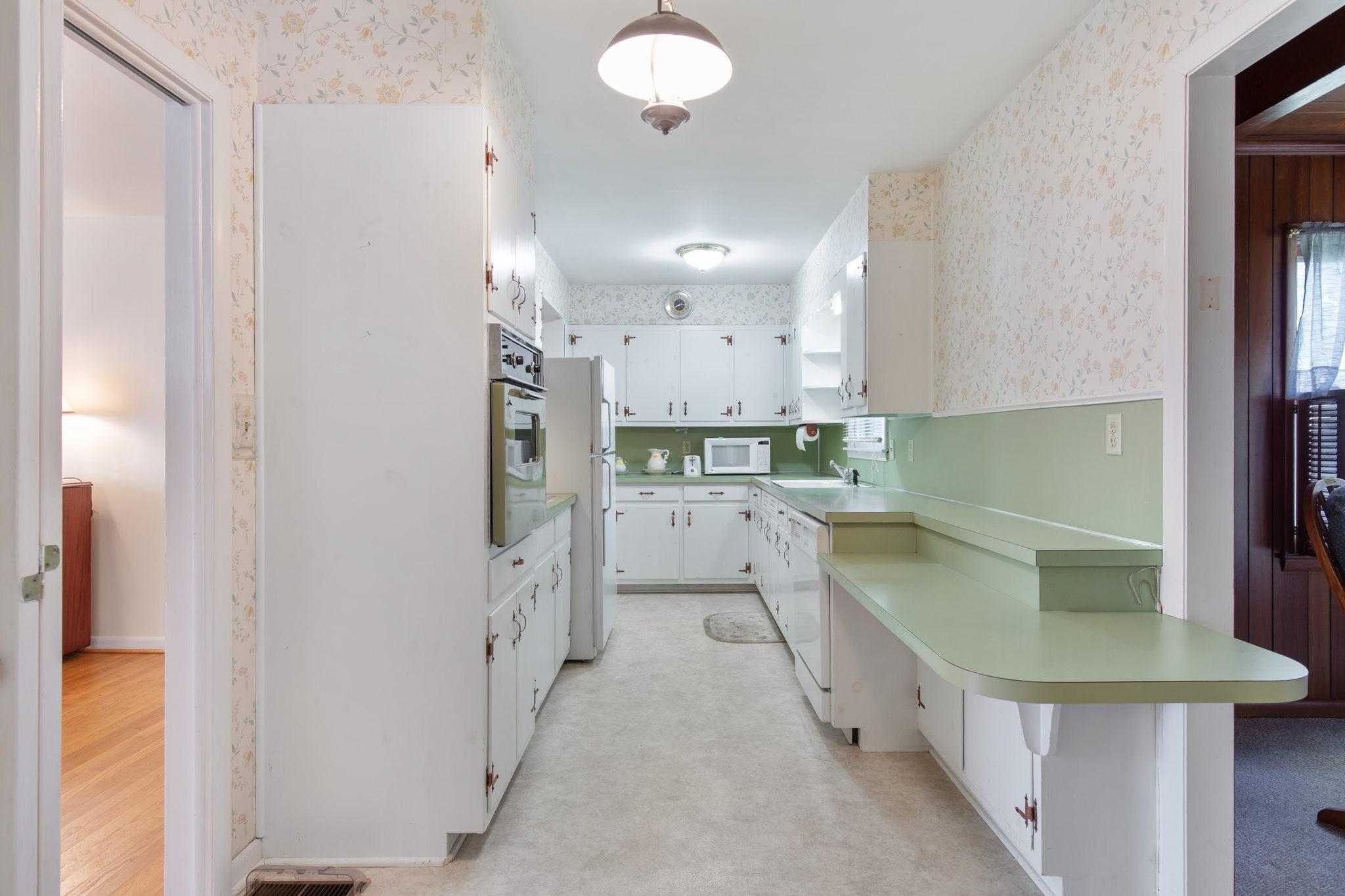 204 Terrace Ln Property Photo 6