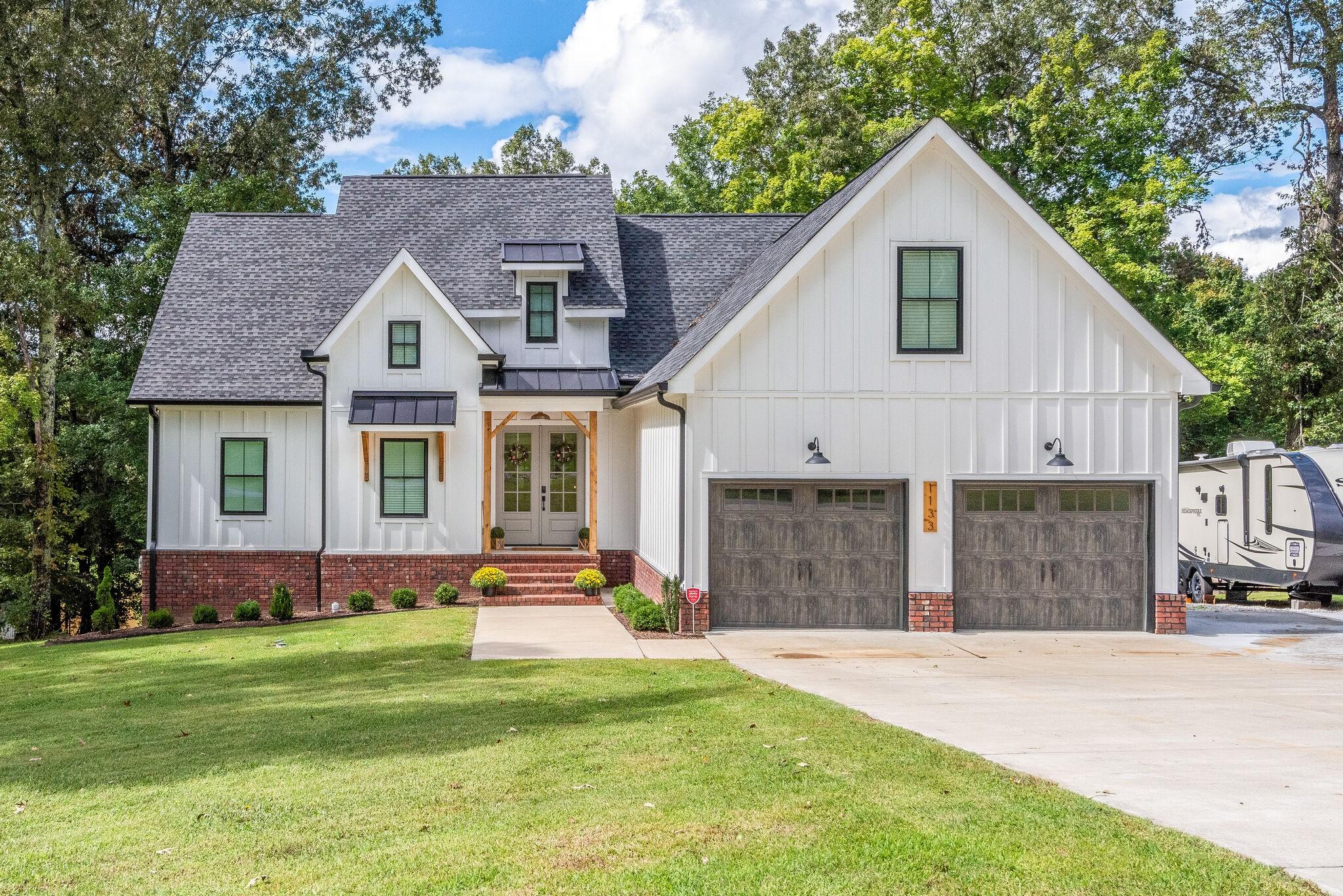 1133 Ridgecrest Drive Property Photo 1