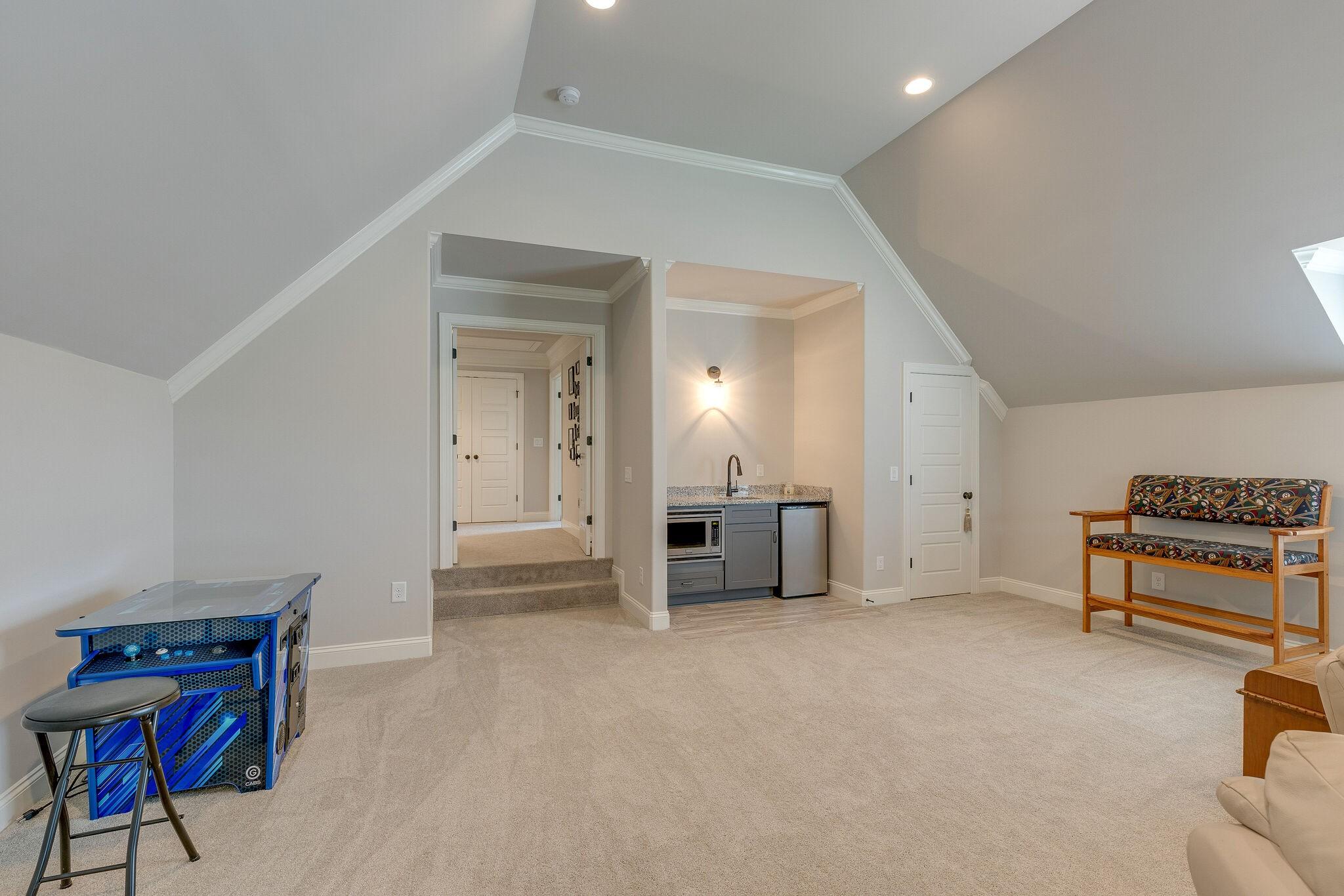 100 Cardigan Ct Property Photo 36