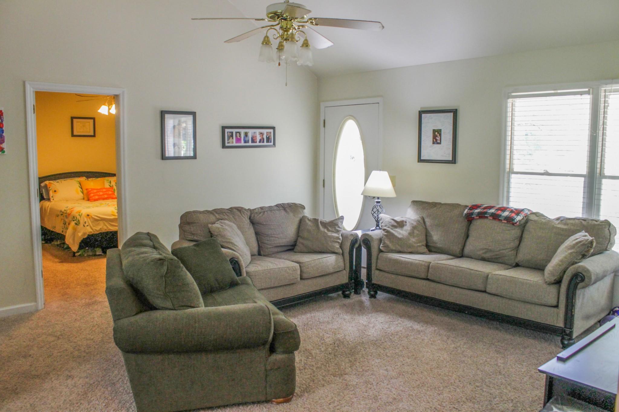 55 Pinewood Ln Property Photo 3
