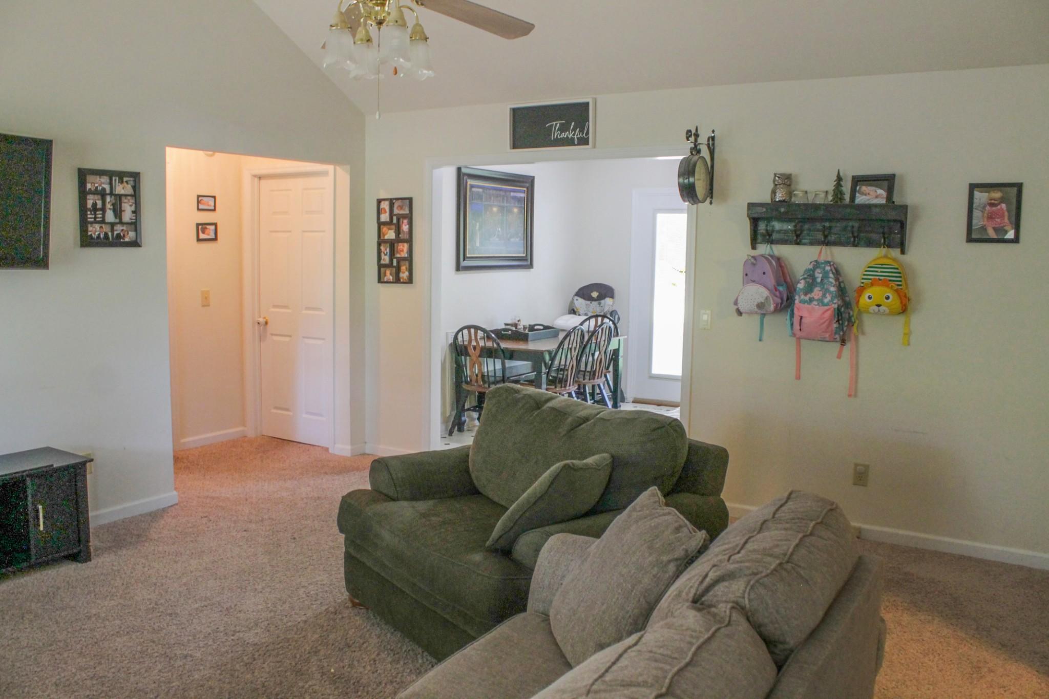 55 Pinewood Ln Property Photo 4