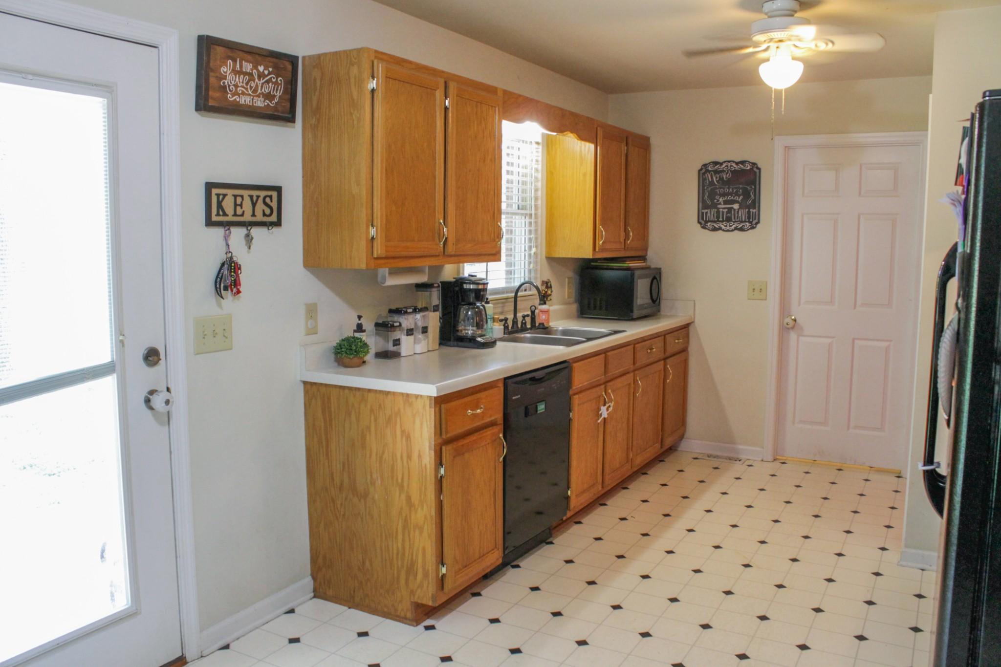 55 Pinewood Ln Property Photo 5
