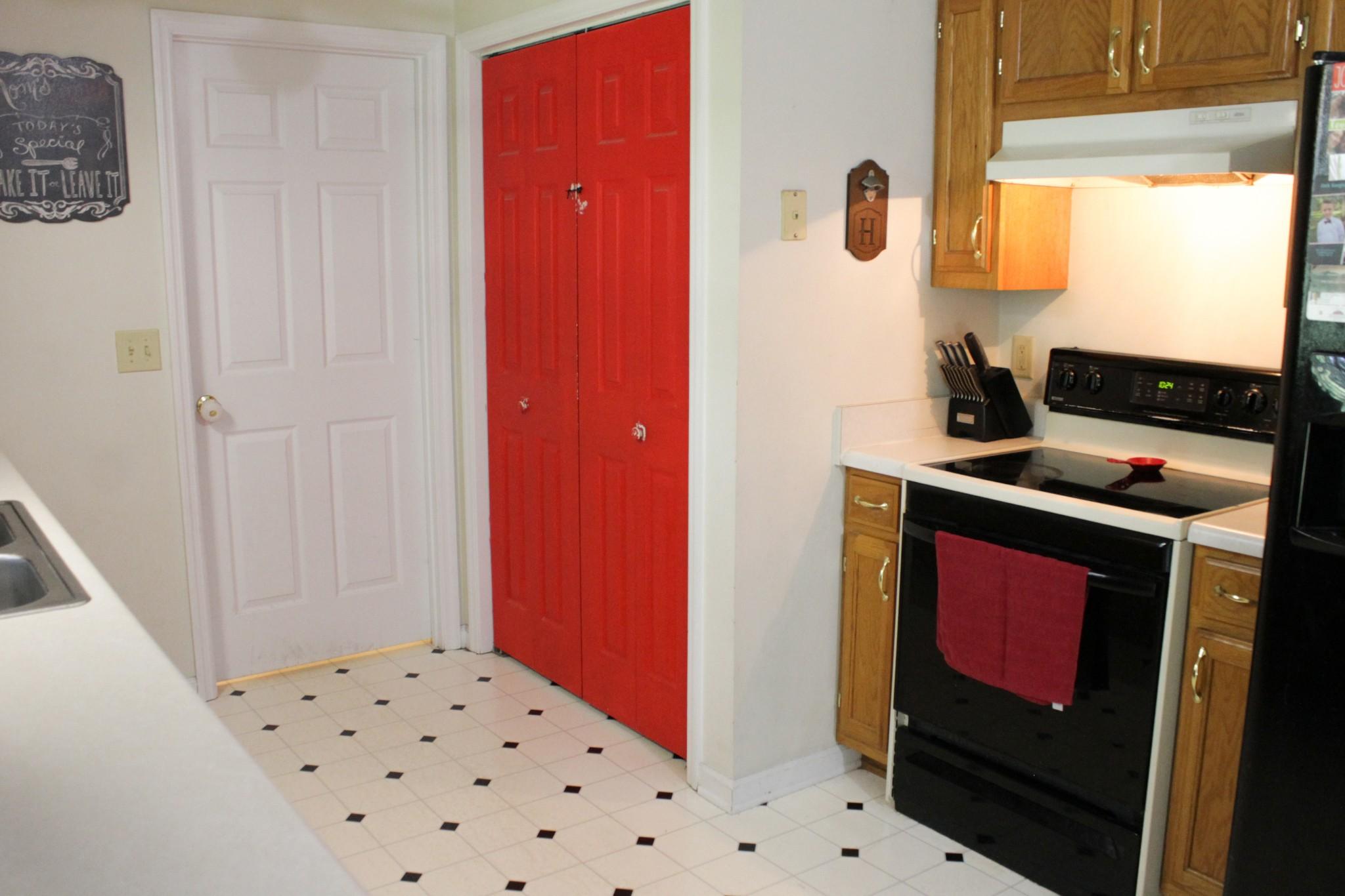 55 Pinewood Ln Property Photo 6