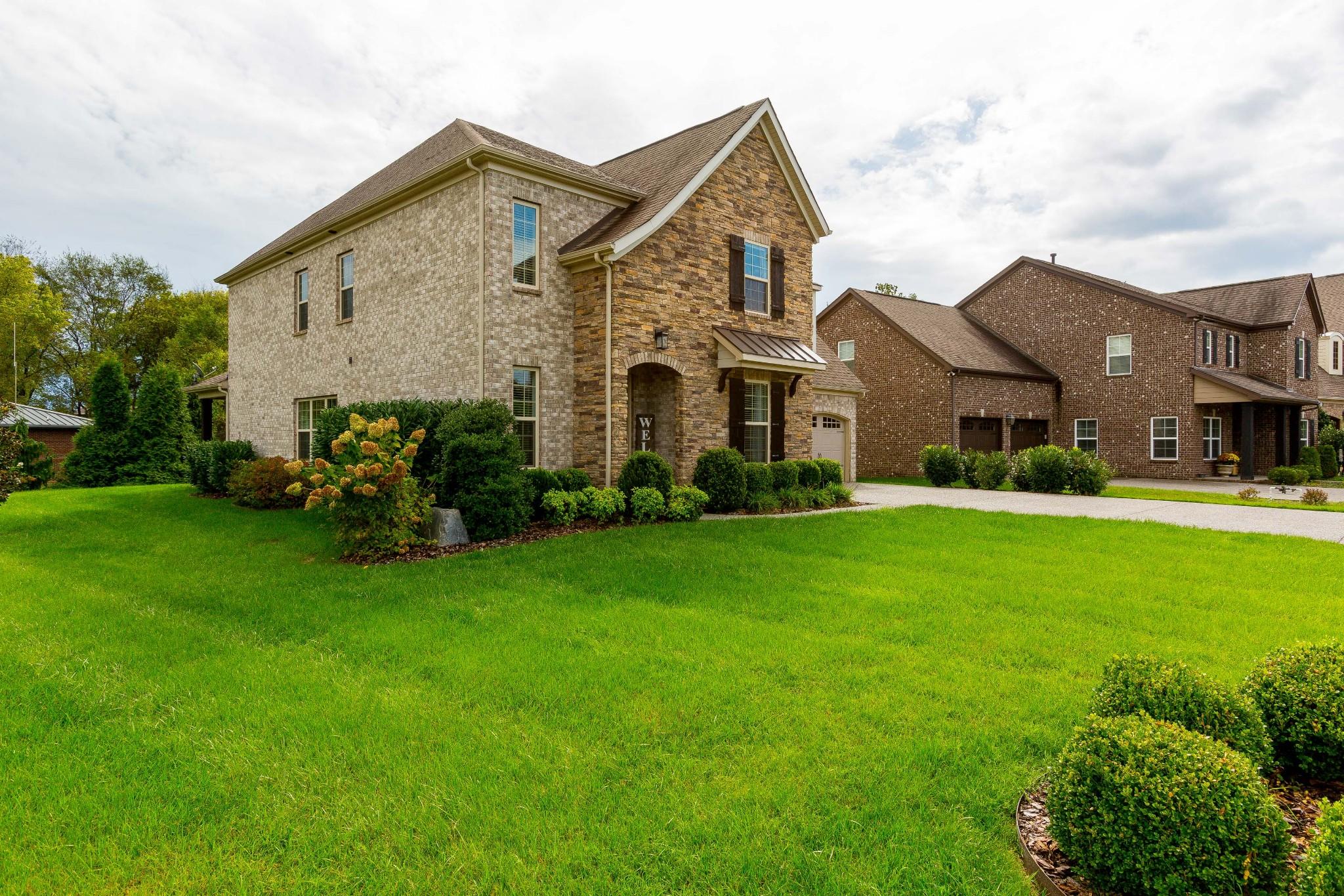 1328 Reynard Dr Property Photo 2