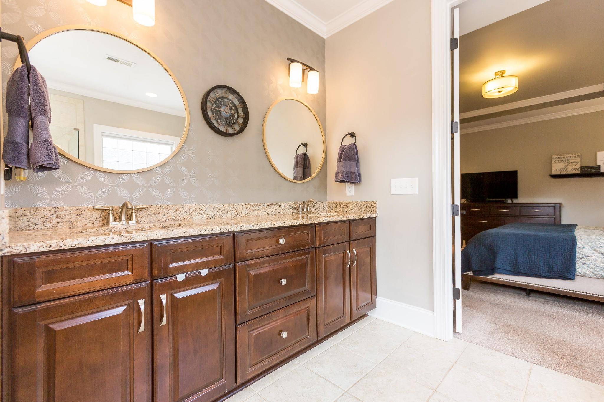 1328 Reynard Dr Property Photo 27