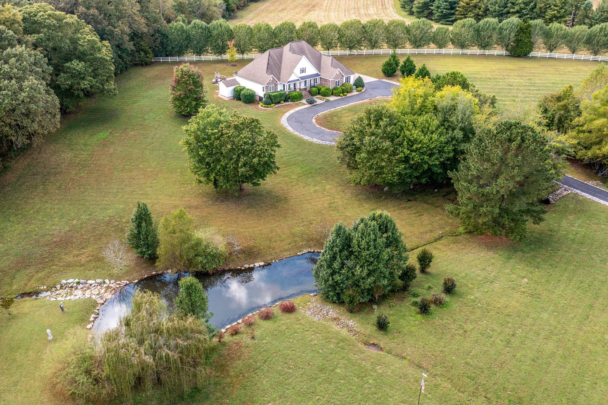 123 Shady Oak Dr Property Photo 1