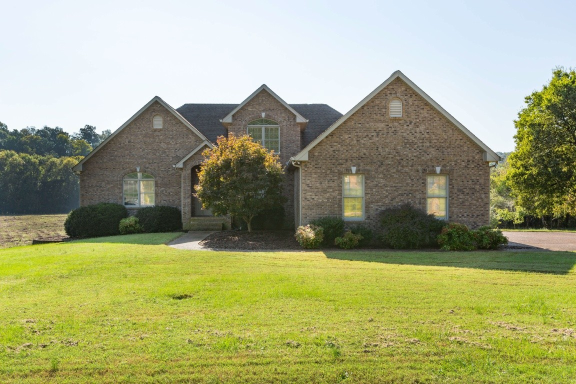 1212 Willow Bend Dr Property Photo 1