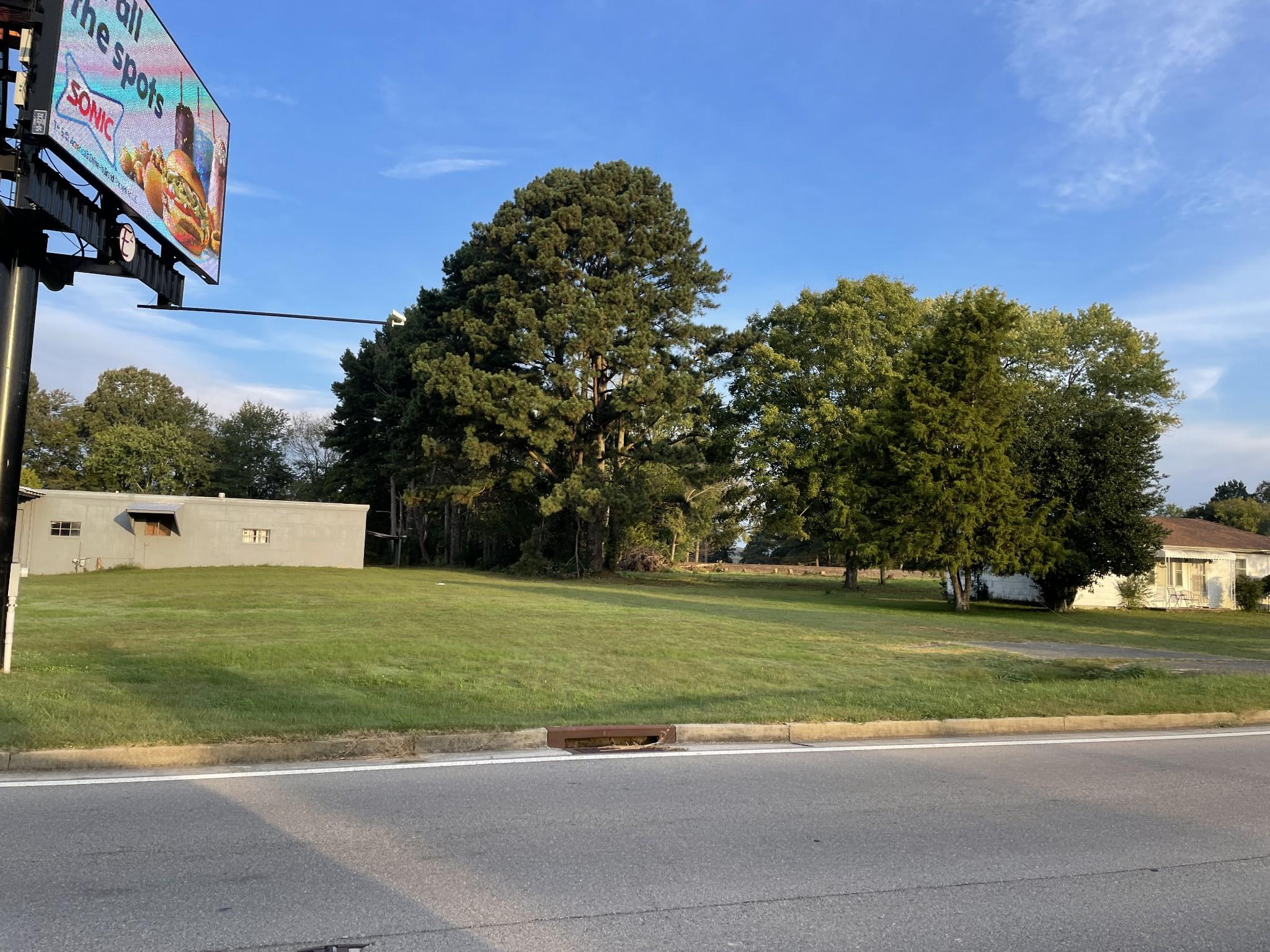309 N Military St Property Photo